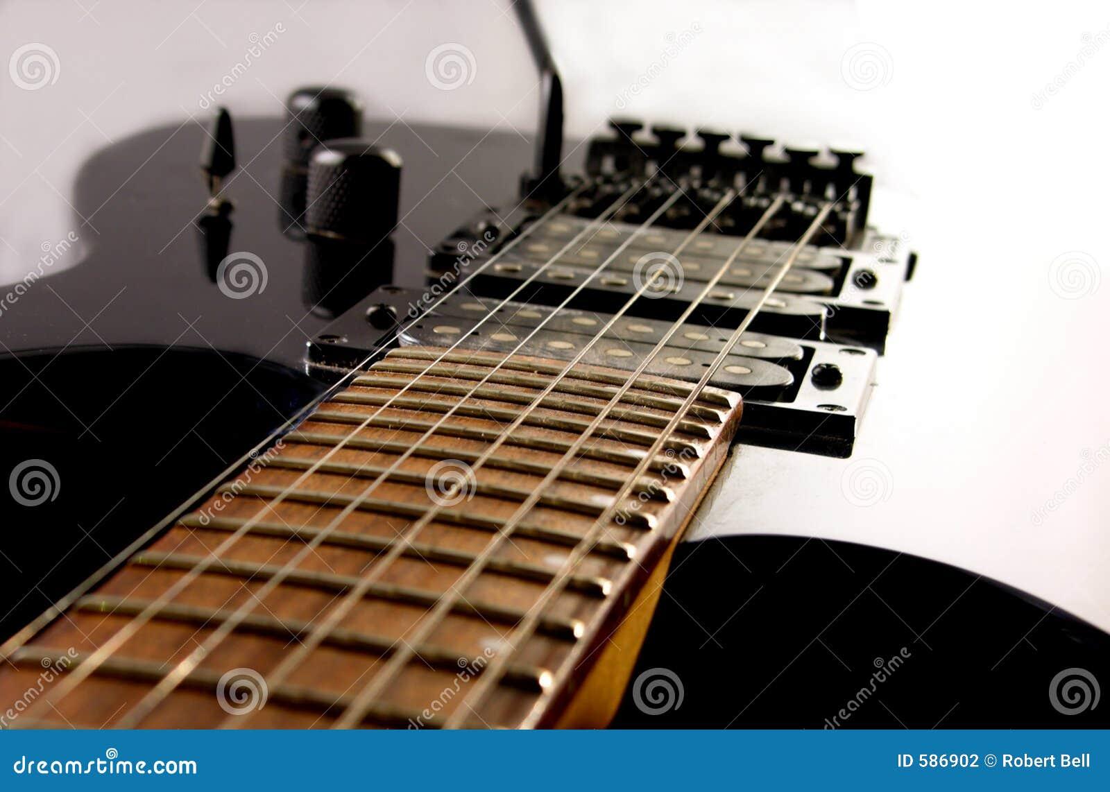 Ciało gitary elektrycznej szyi