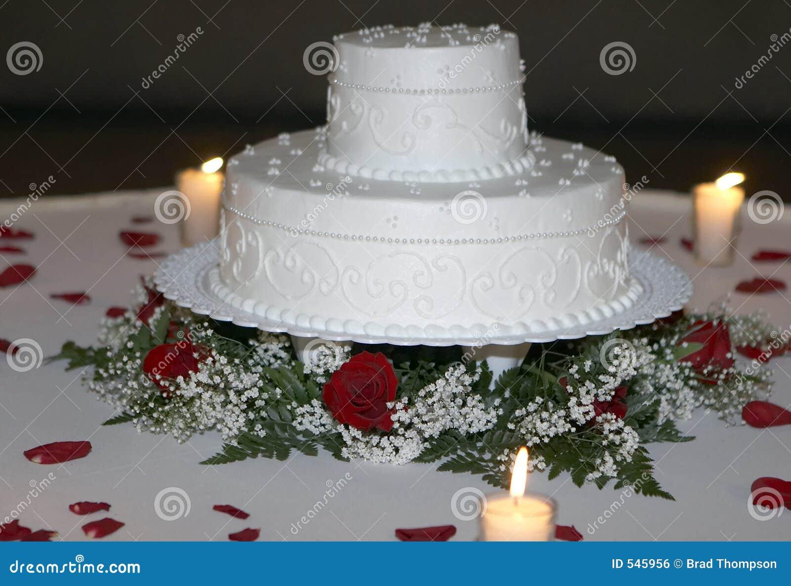 Ciasto zbliżenia przy świecach ślub