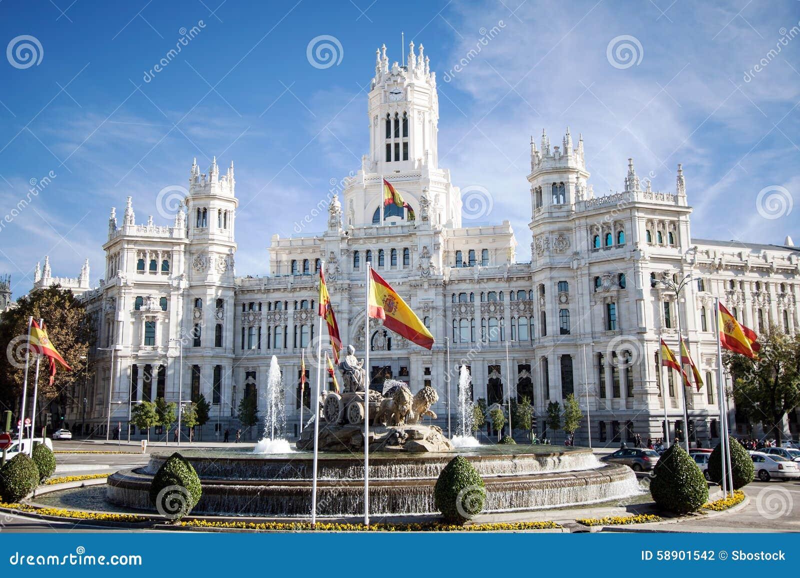 Cibeles-Brunnen und Palacio de Comunicaciones, Madrid, Spanien