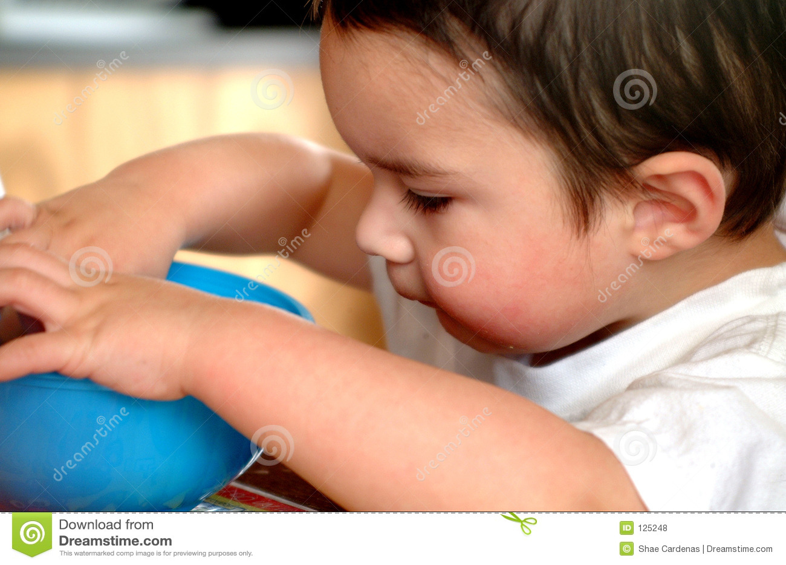 Cibo di Little Boy dei bambini