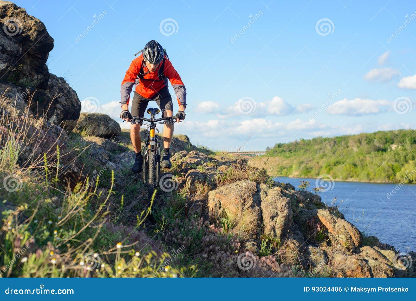 A Montar Bici La En Chaqueta Roja Ciclista Caballo Del De Montaña wx0YBxqTF