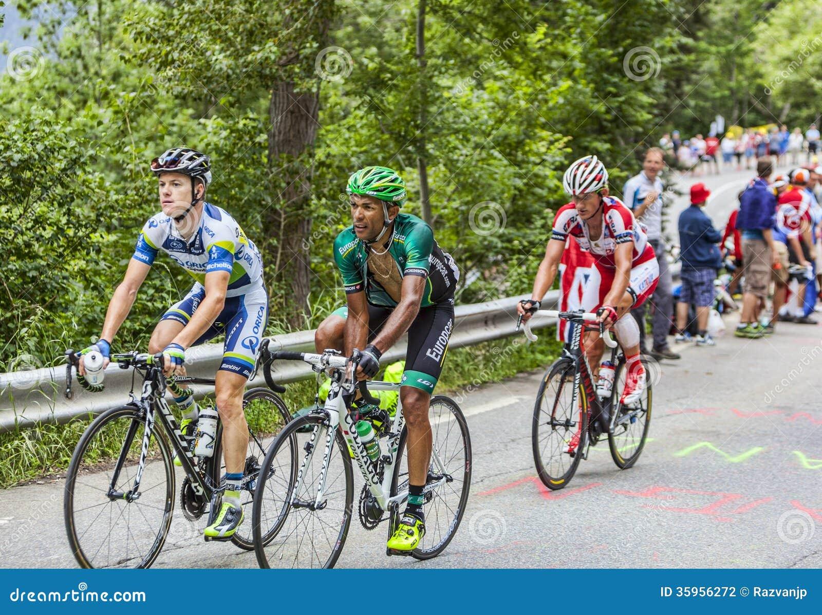 Ciclistas que suben Alpe d Huez