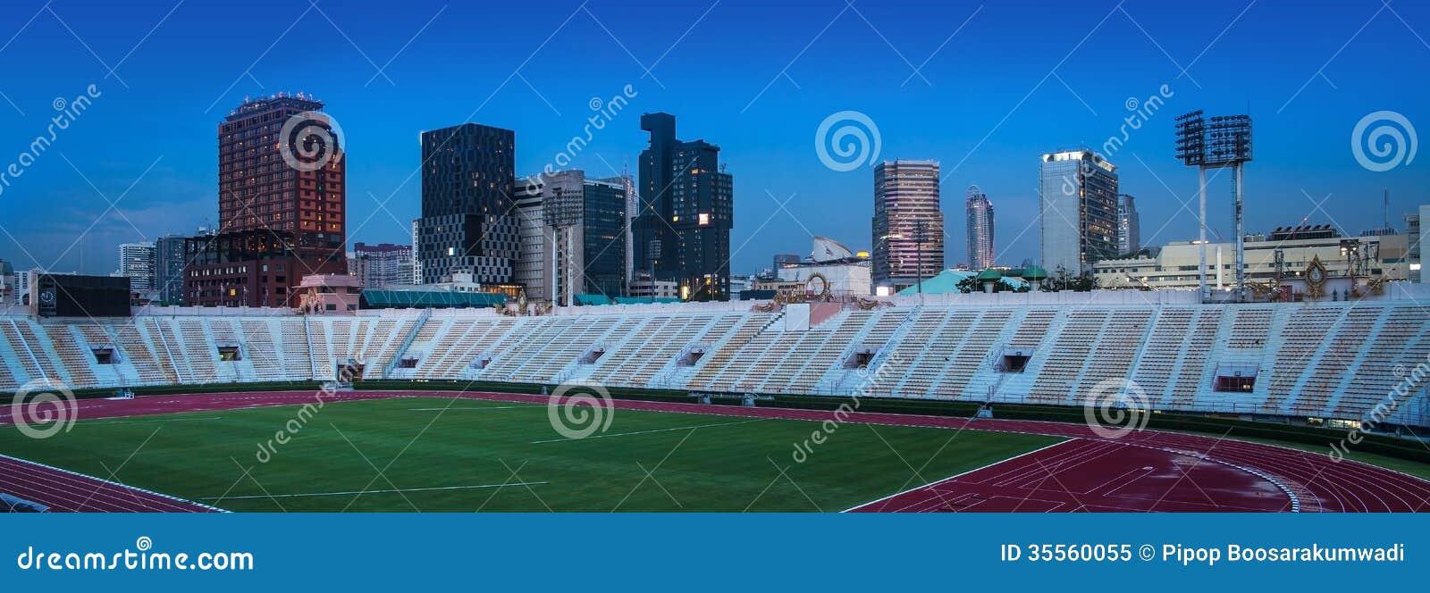 Cidade de AUrban com o estádio nacional de Tailândia, Banguecoque.