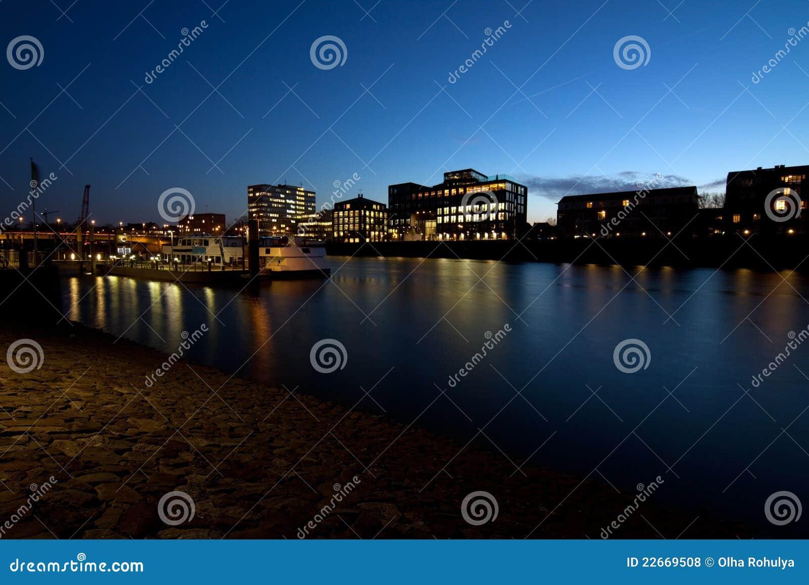 Cidade de Brema na noite