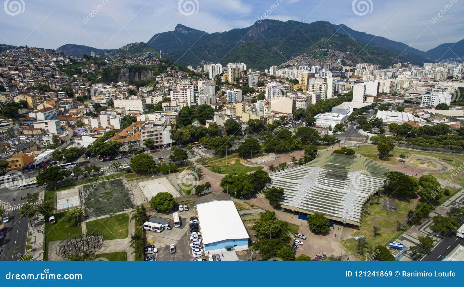 Cidade de Rio de janeiro, Roberto Campos Square