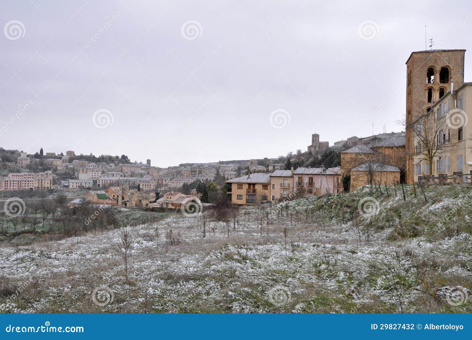 Cidade de Sepulveda, dia nevado, Segovia (Espanha)