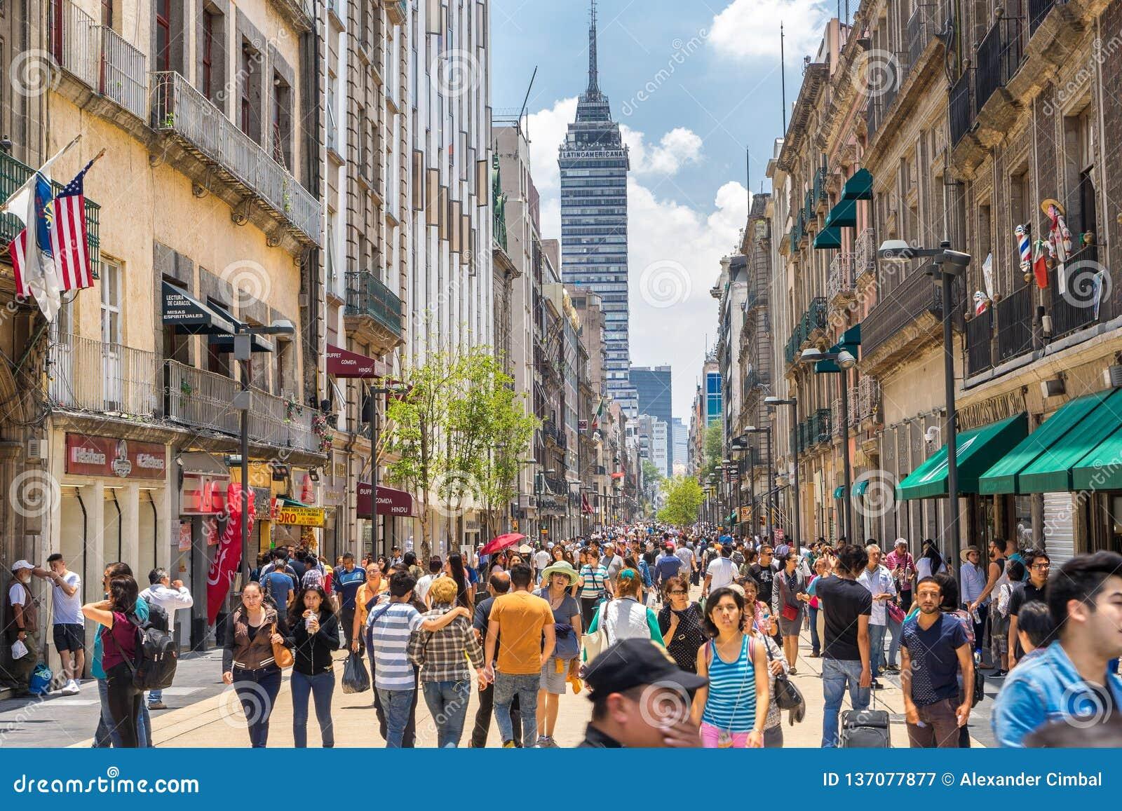 Cidade Do México, México - Multidões No Centro Da Cidade Fotografia  Editorial - Imagem de pedestrian, historic: 137077877