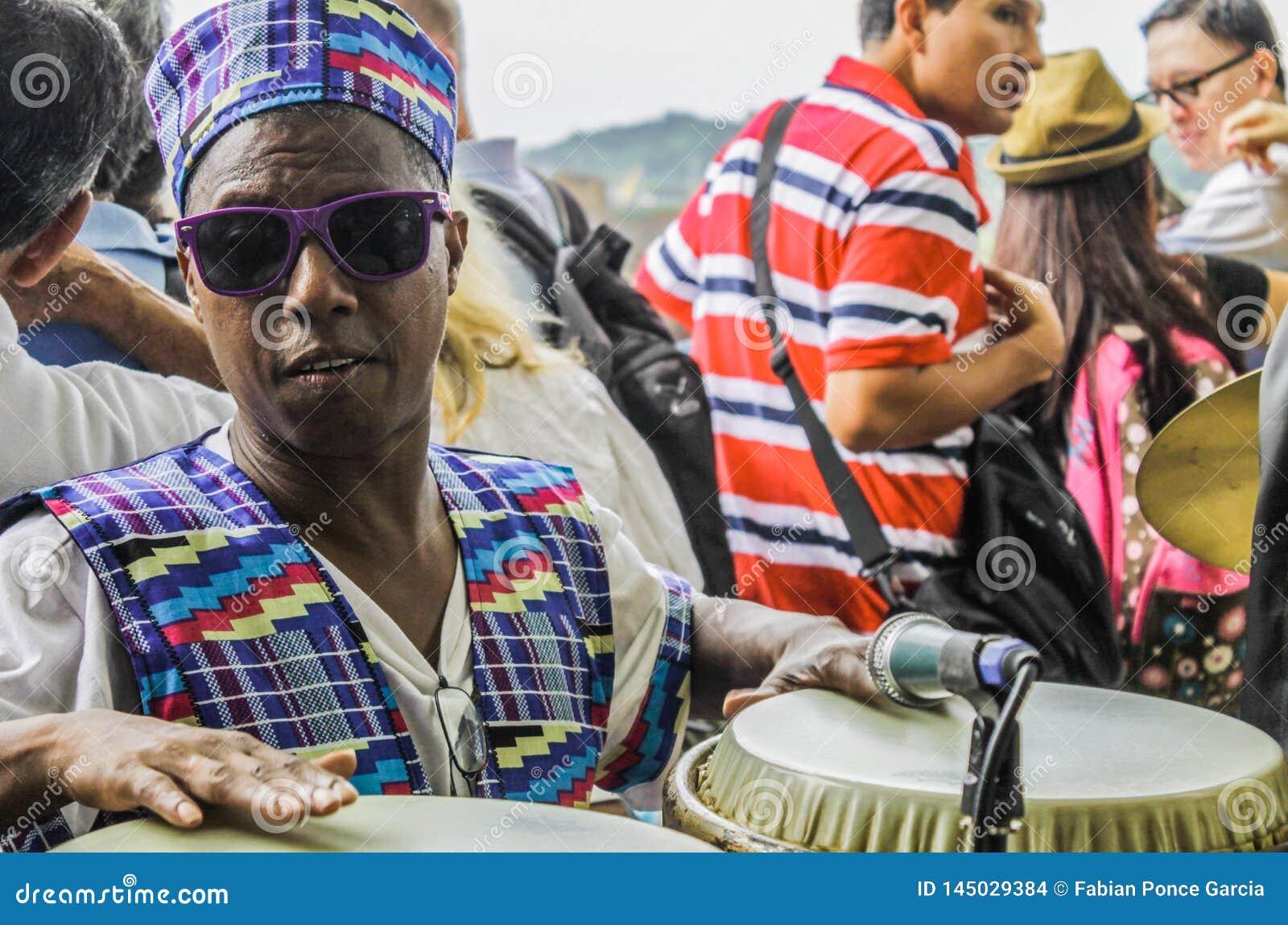 A Cidade do Panamá, Panamá, o 15 de agosto de 2015 Close-up do músico afro-americano