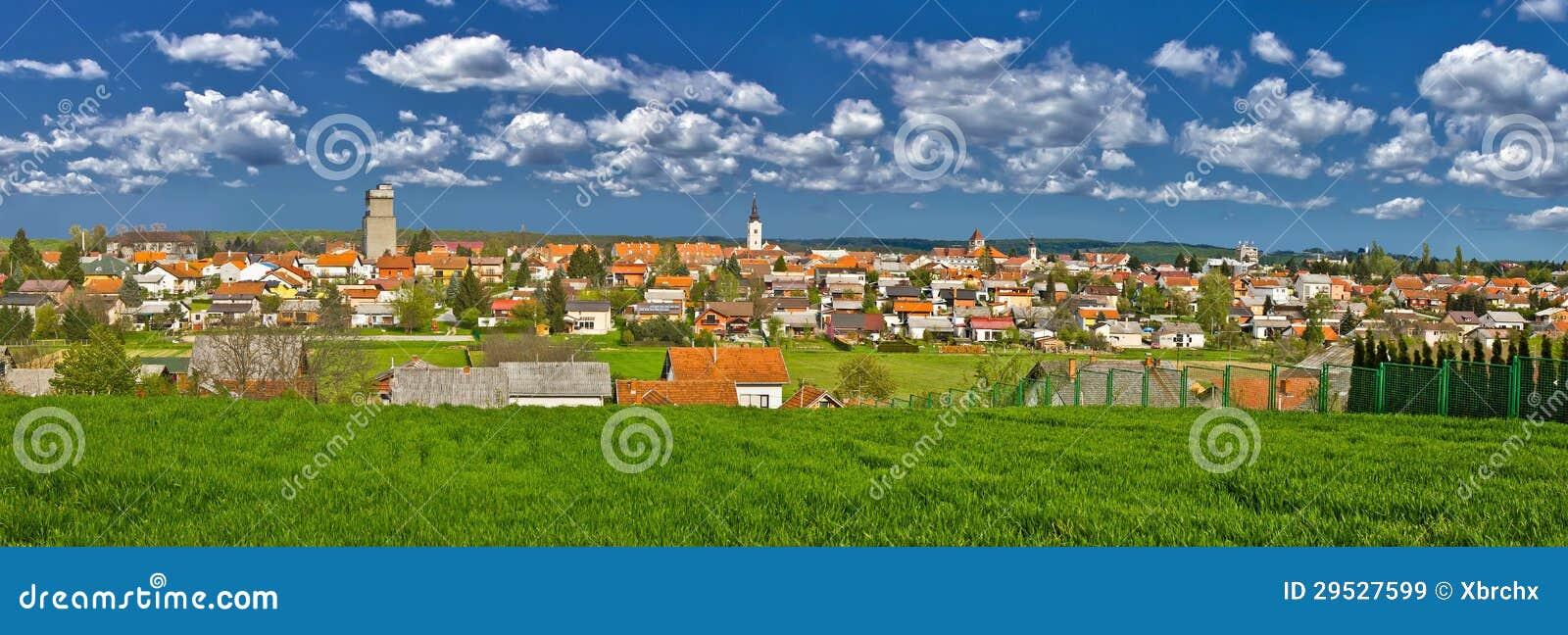 Cidade do panorama colorido de Krizevci