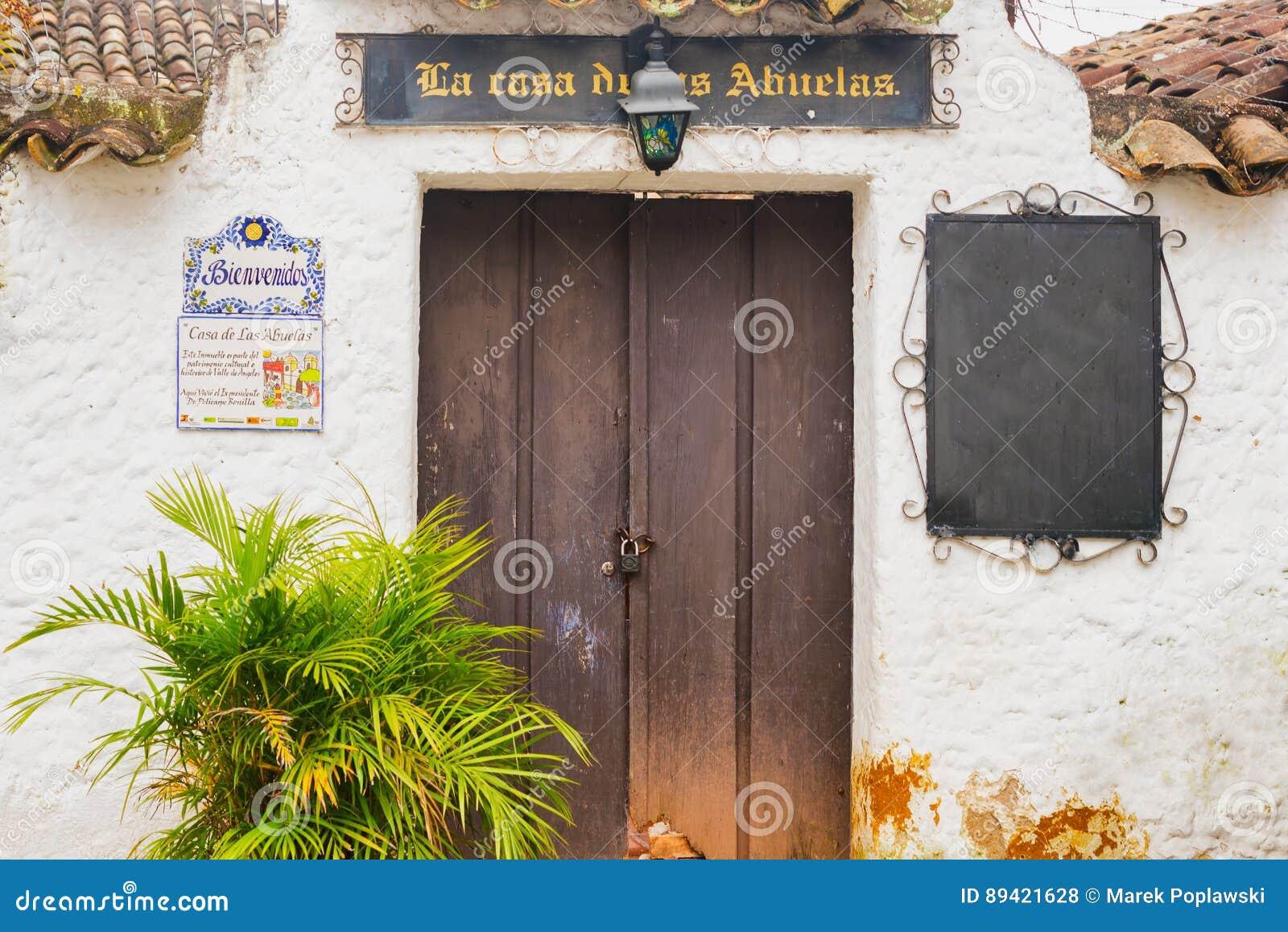 Cidade espanhola velha da mineração de Valle de Angeles perto de Tegucigalpa, Hondu