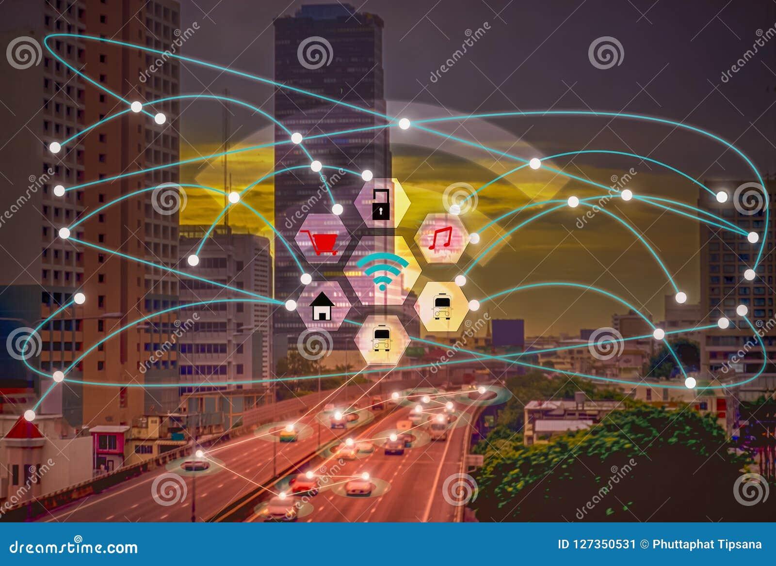 Cidade esperta e Internet sem fio dos conceitos IOT de uma comunicação da coisa com conveniência do estilo de vida