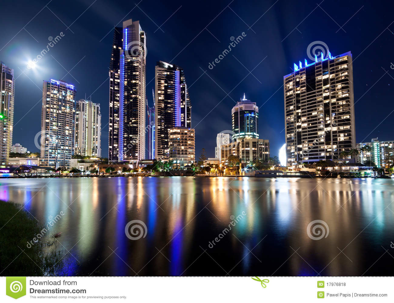 Cidade Moderna Australiana Na Noite Fotos De Stock Royalty