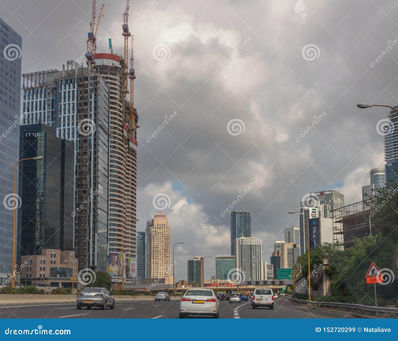 Cidade moderna do Médio Oriente Tel Aviv, a capital de Israel Arquitetura moderna Paisagem da cidade Transporte, prédio