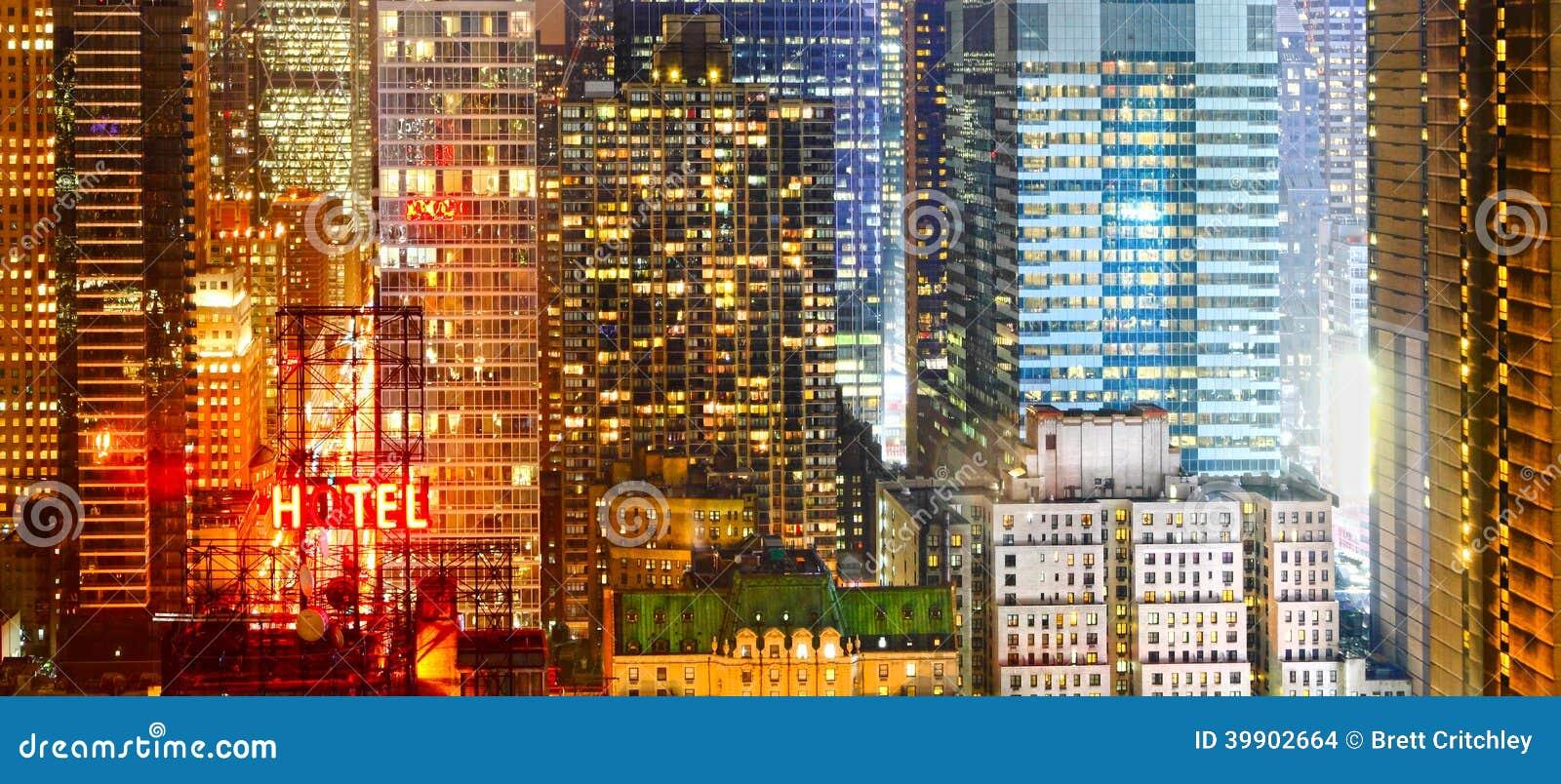 Cidade na bandeira da noite