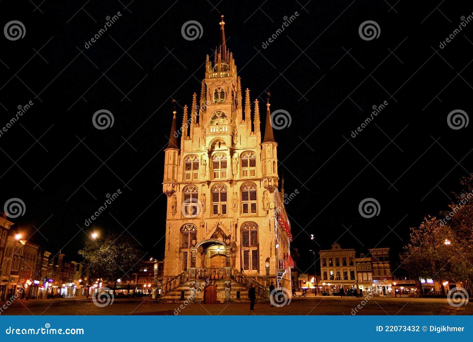 Cidade salão do Gouda na noite