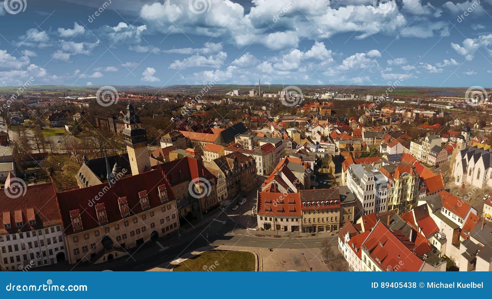 Cidade velha Alemanha Saxony-Anhalt da opinião aérea de Zeitz