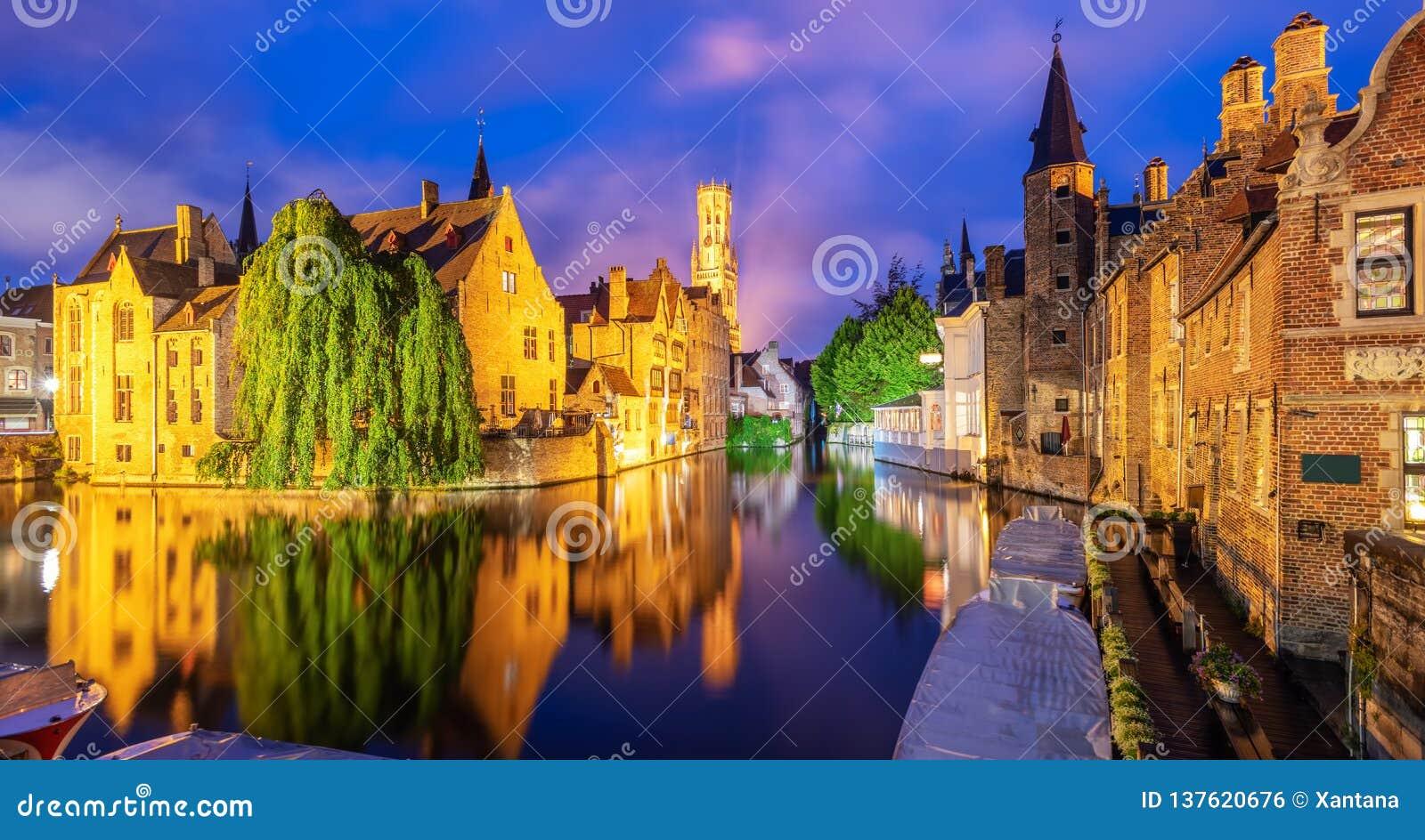A cidade velha histórica de Bruges, Bélgica, um local da herança da cultura do mundo do UNESCO
