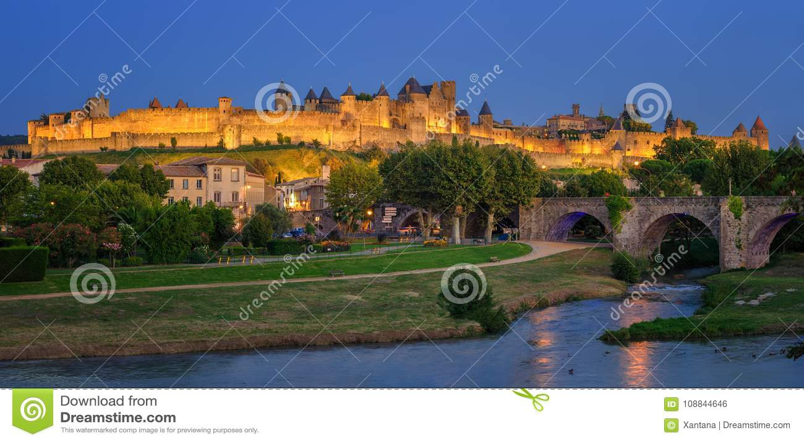 Cidade velha medieval de Carcassonne, Languedoc, França