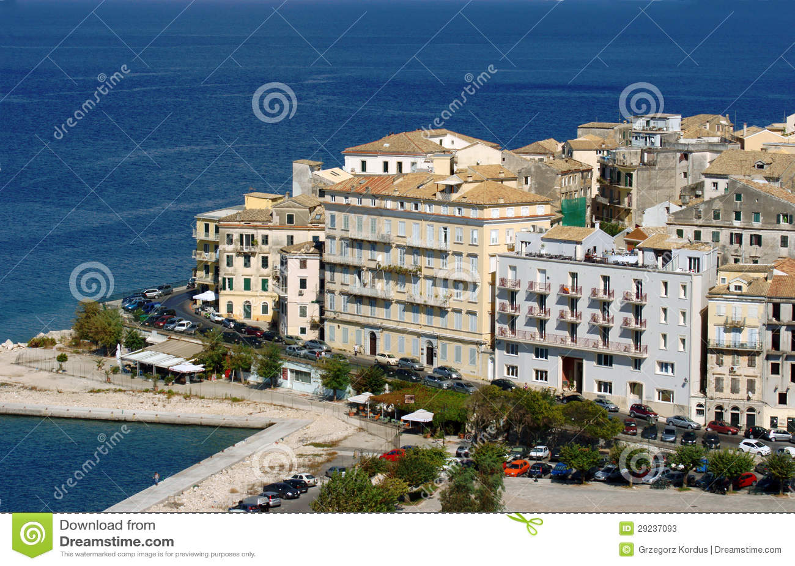 Download Cidade Velha Na Ilha De Corfu Imagem de Stock - Imagem de townhouse, nuvem: 29237093