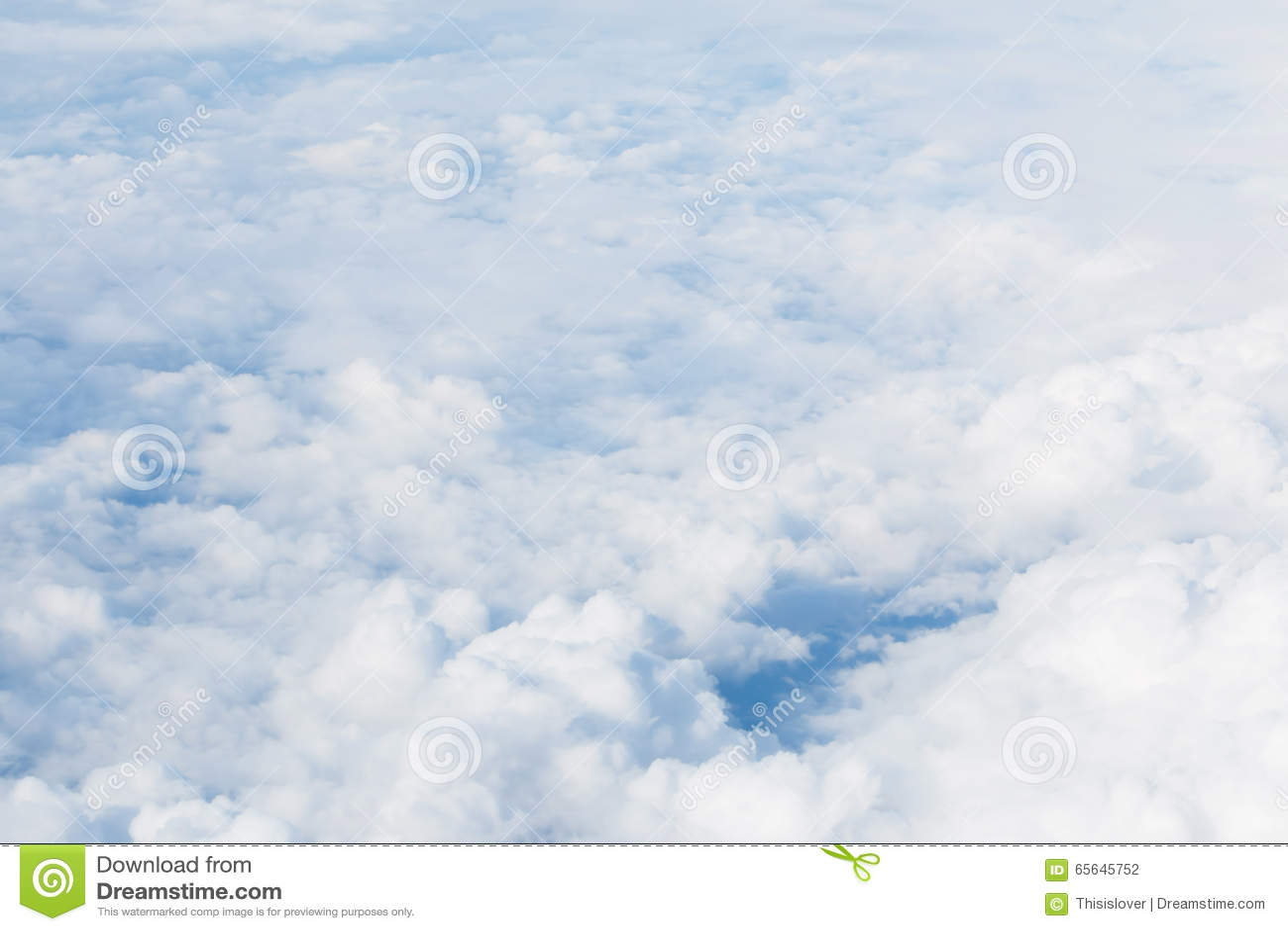 Ciel avec pelucheux
