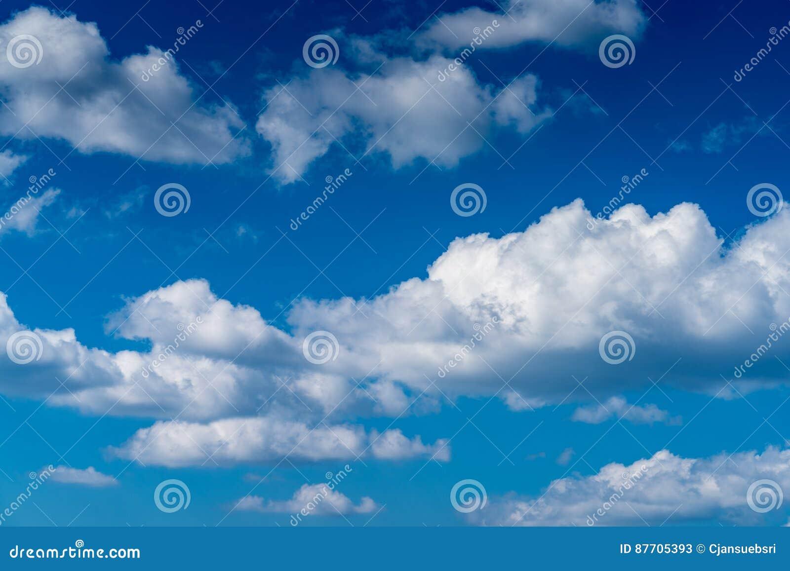 Ciel bleu de nuage