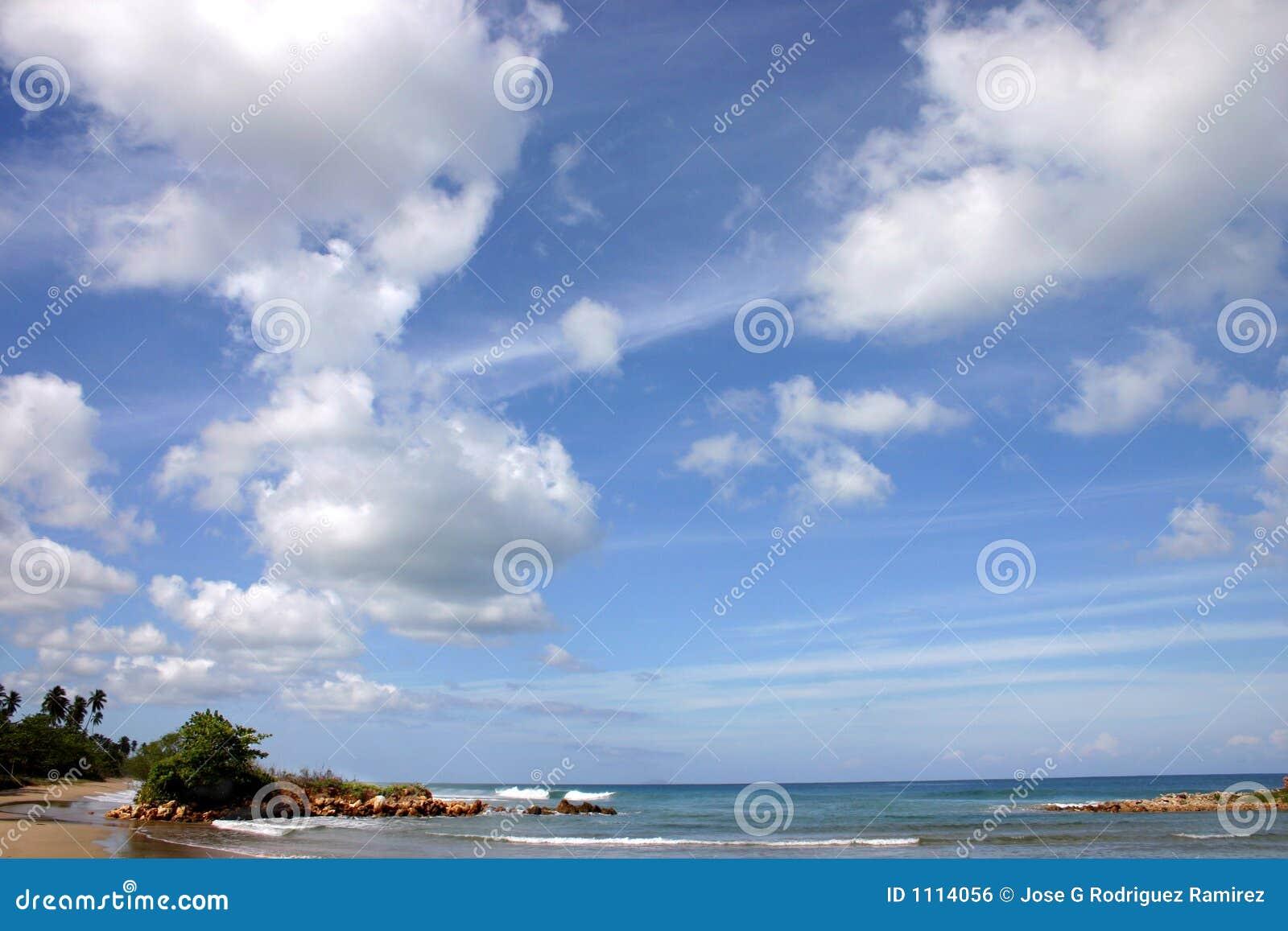 Ciel bleu et mer