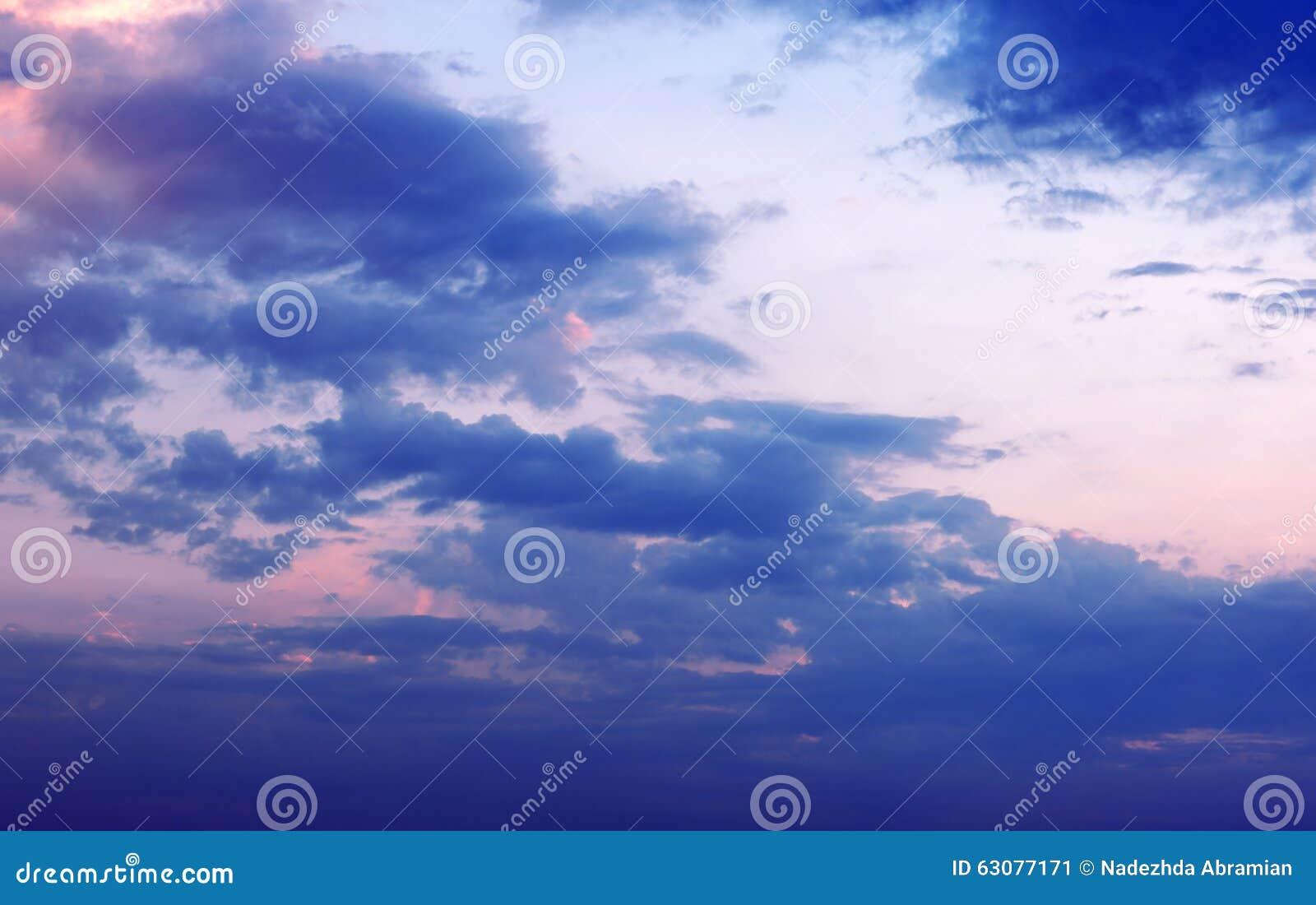 Download Ciel Dans Le Coucher Du Soleil De Soirée Image stock - Image du sunset, horizontal: 63077171