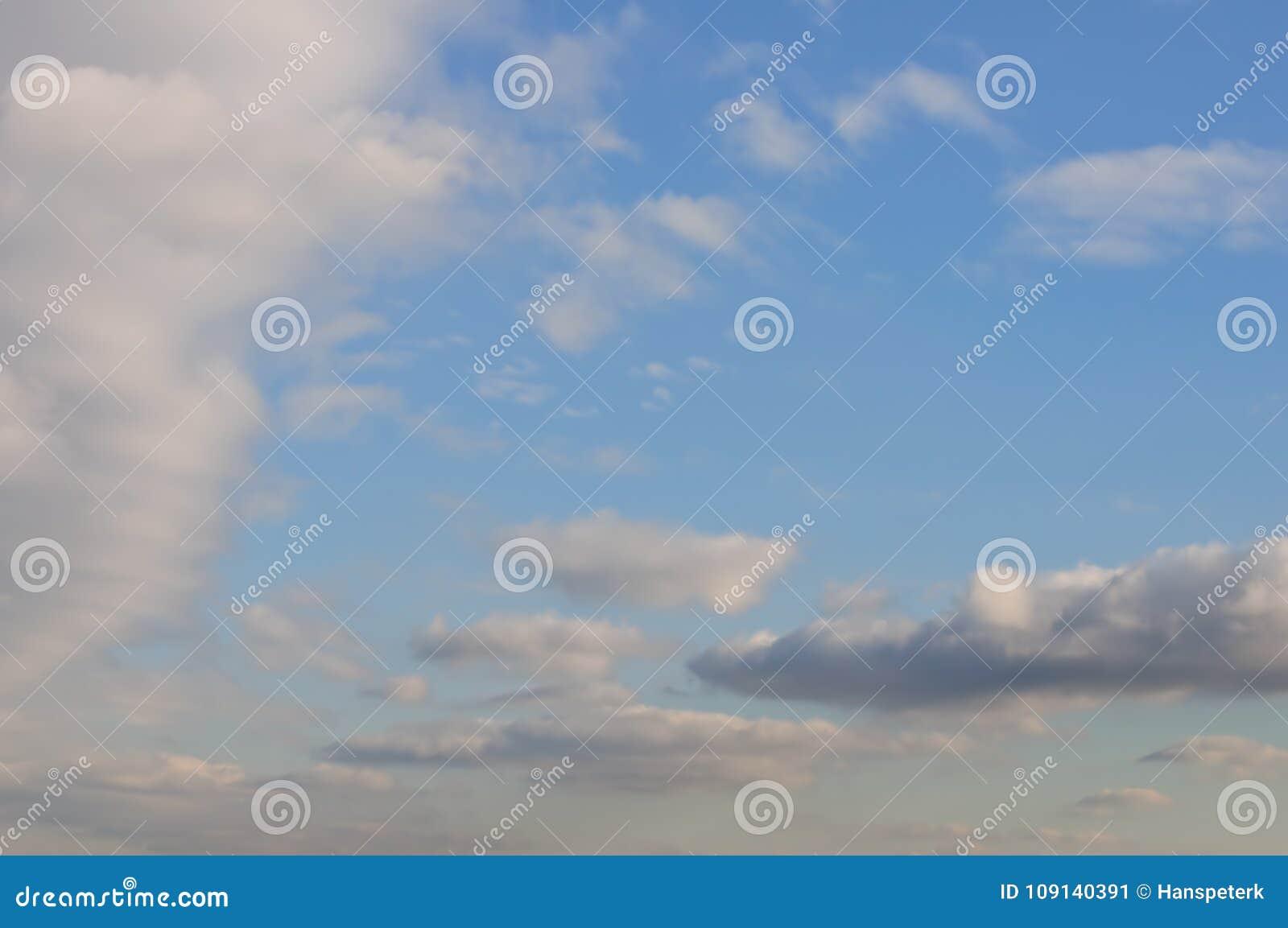 Ciel nuageux d hiver