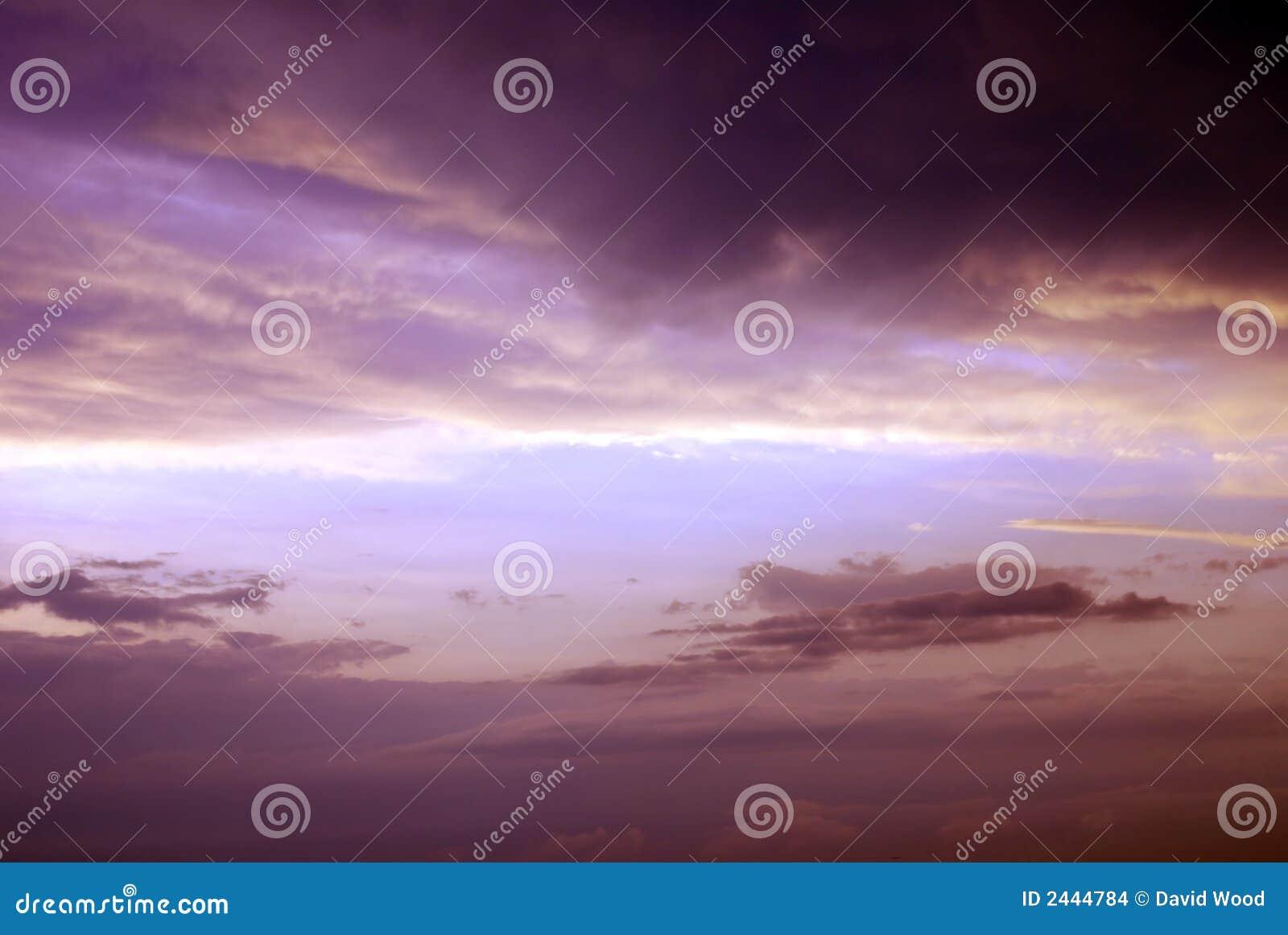 Ciel orageux pourpré