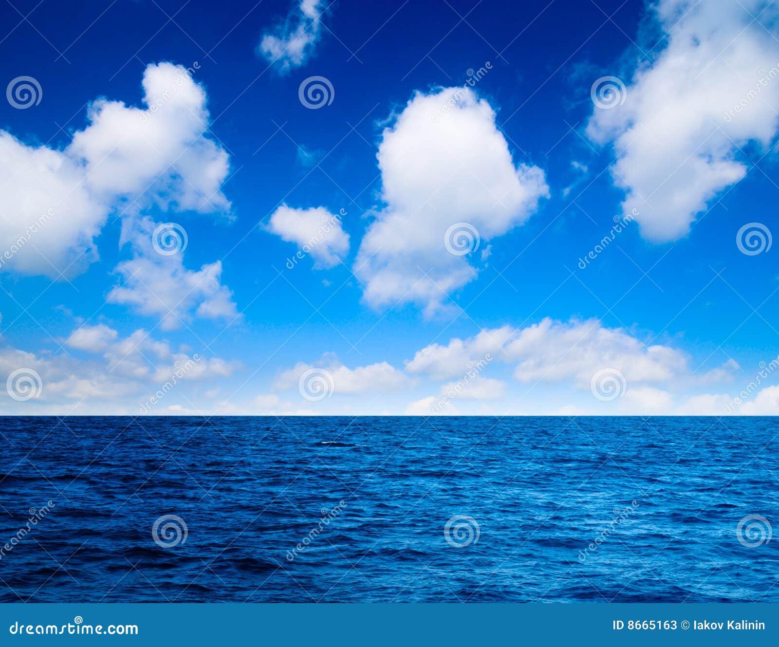 Ciel parfait d océan
