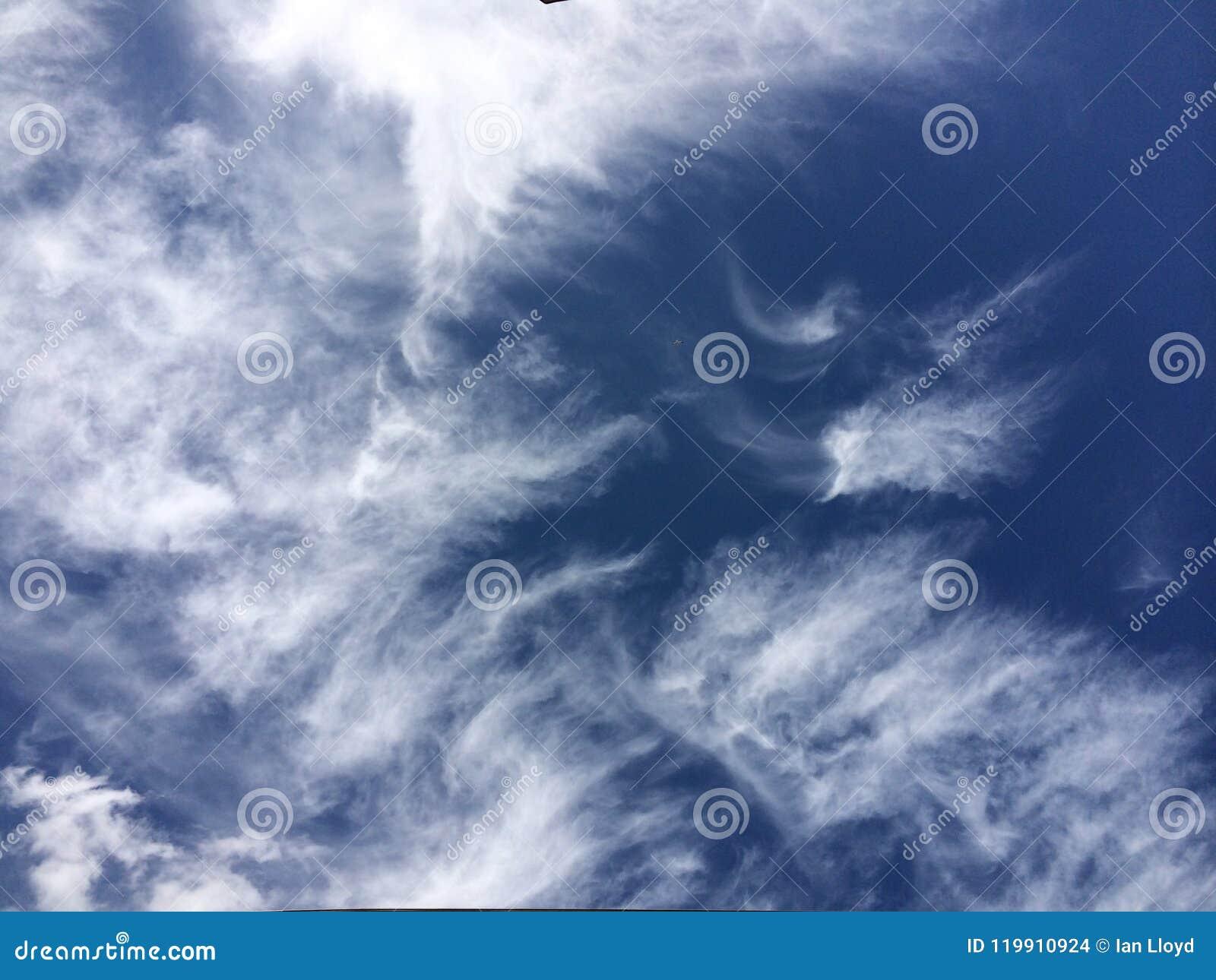 Ciel swirly nuageux dramatique
