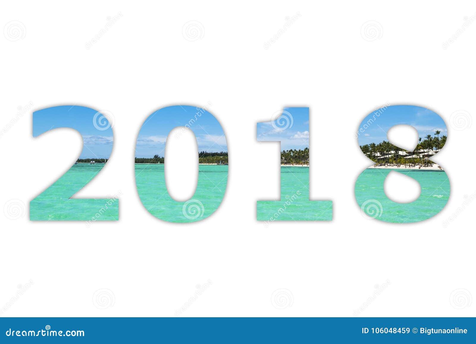 Cielo bianco di panorama di 2018 cifre numerali con il fondo tropicale di bianco dell oceano Buon anno e Natale! Nuovo anno 2018