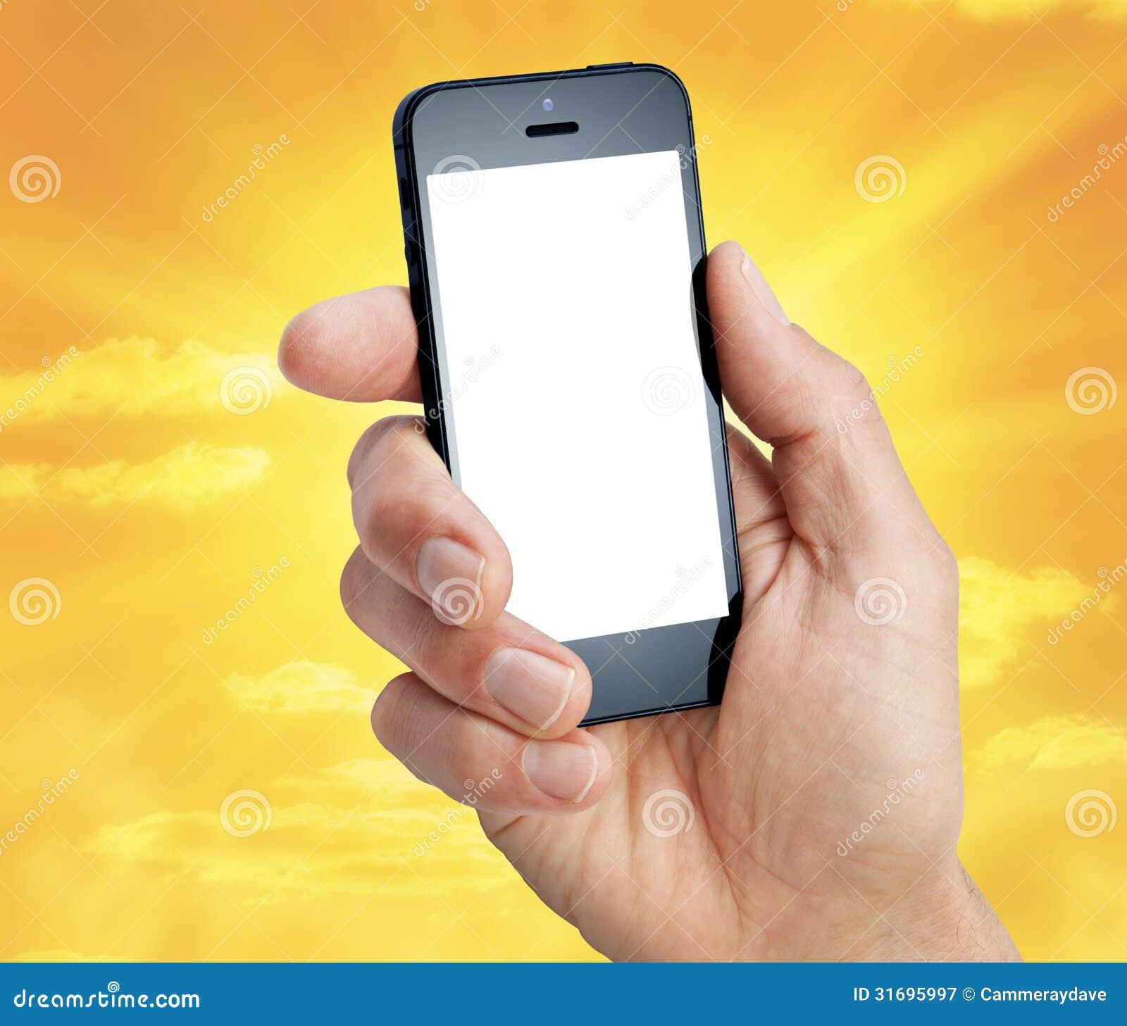 Cielo de la mano del teléfono celular