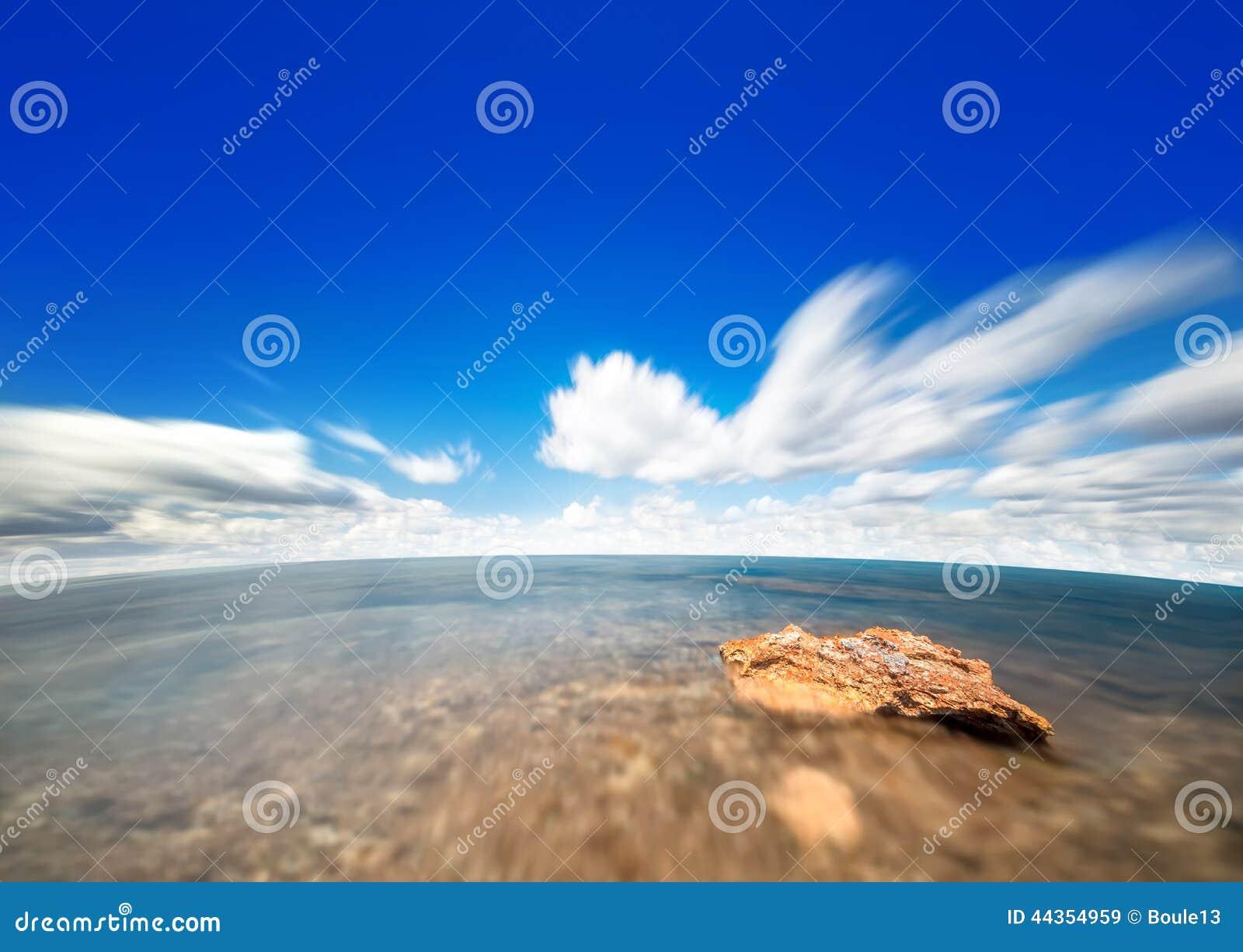 Cielo ed acqua perfetti dell oceano