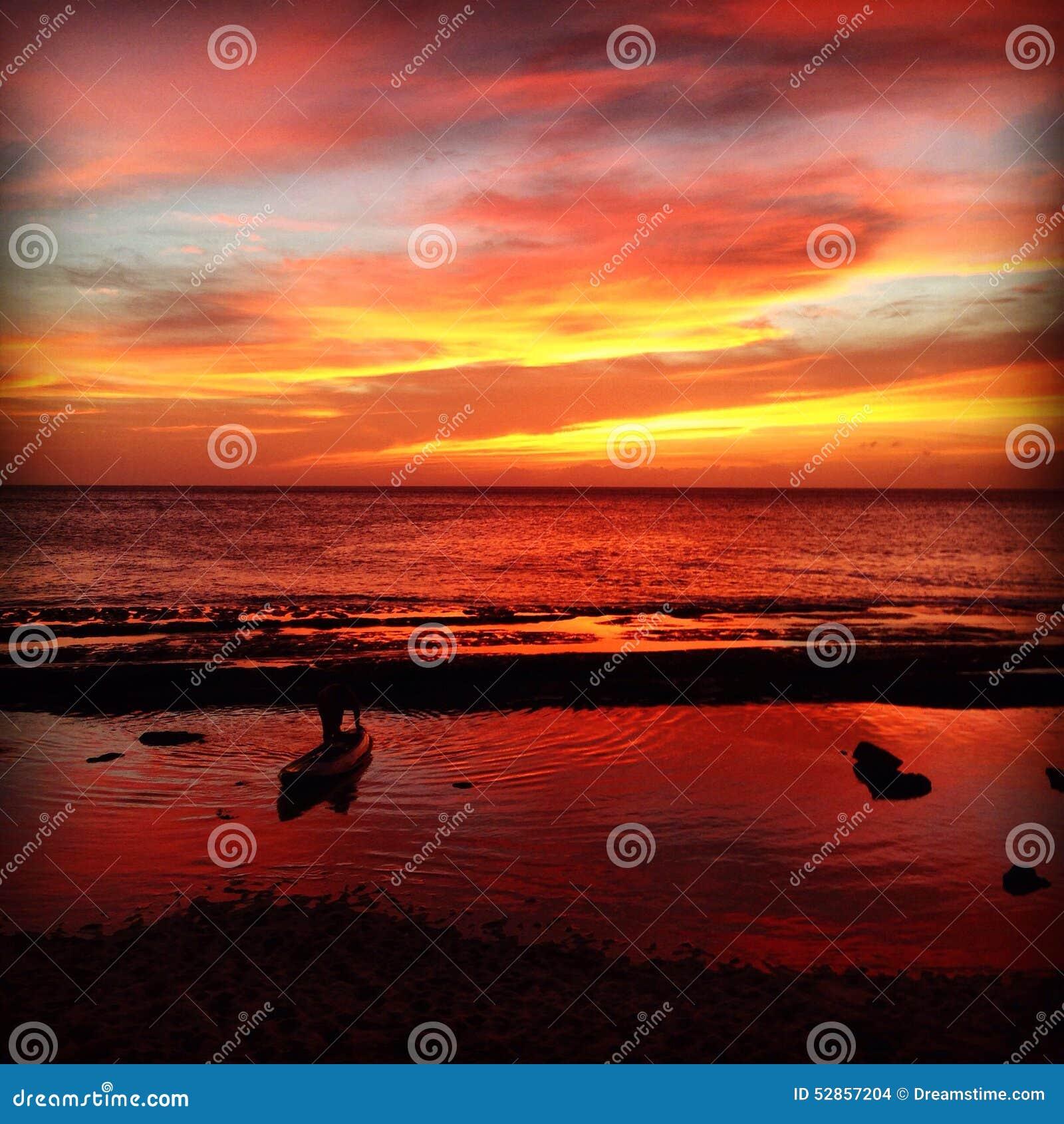 Cielo Rosso Di Notte.Cielo Rosso A Piacere Del Marinaio Di Notte Fotografia Stock