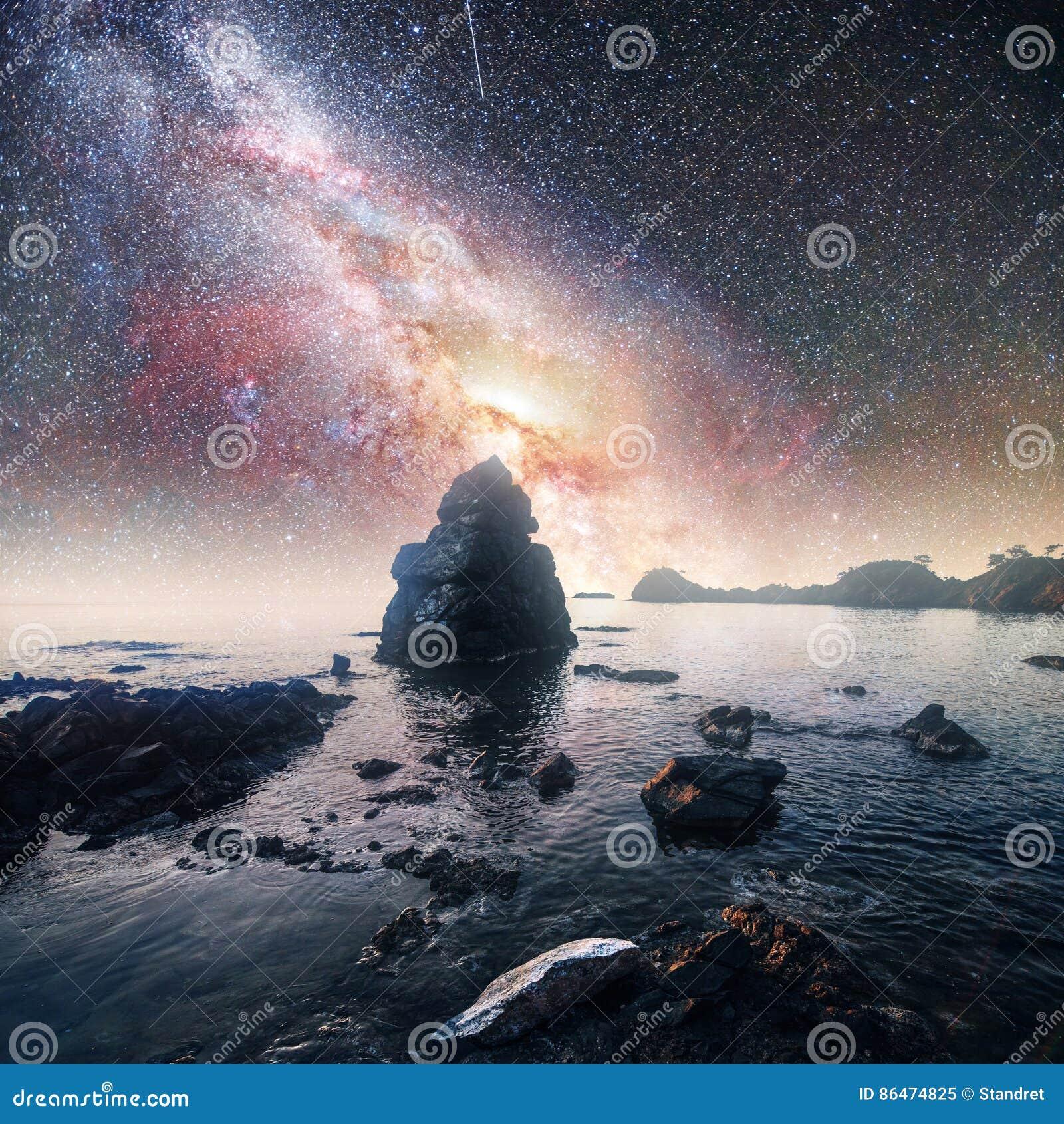 Blue Dream Cielo Stellato Costo.Cielo Stellato Fantastico E Montagne Maestose Mattina Drammatica