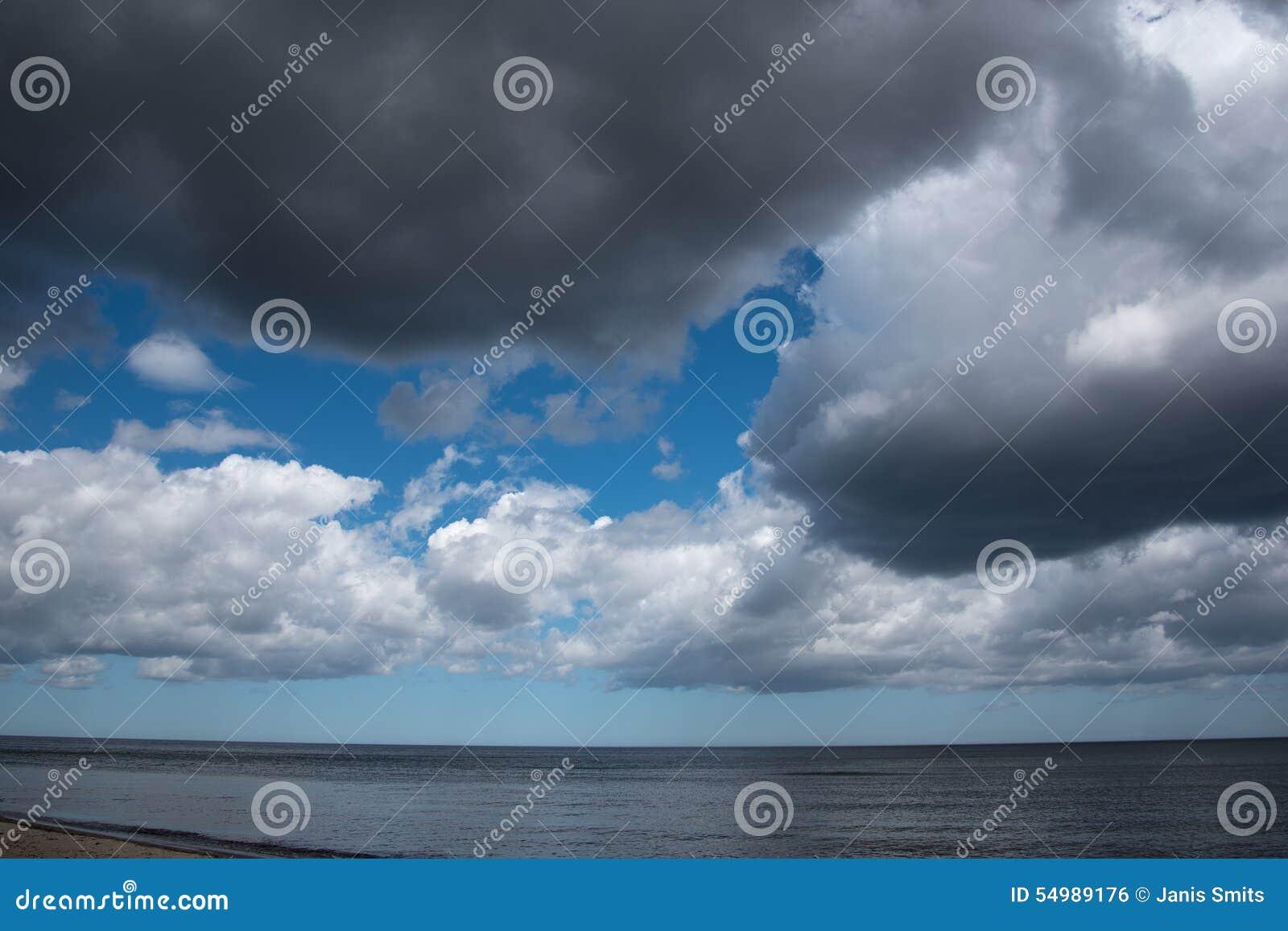 Ciemny morze bałtyckie
