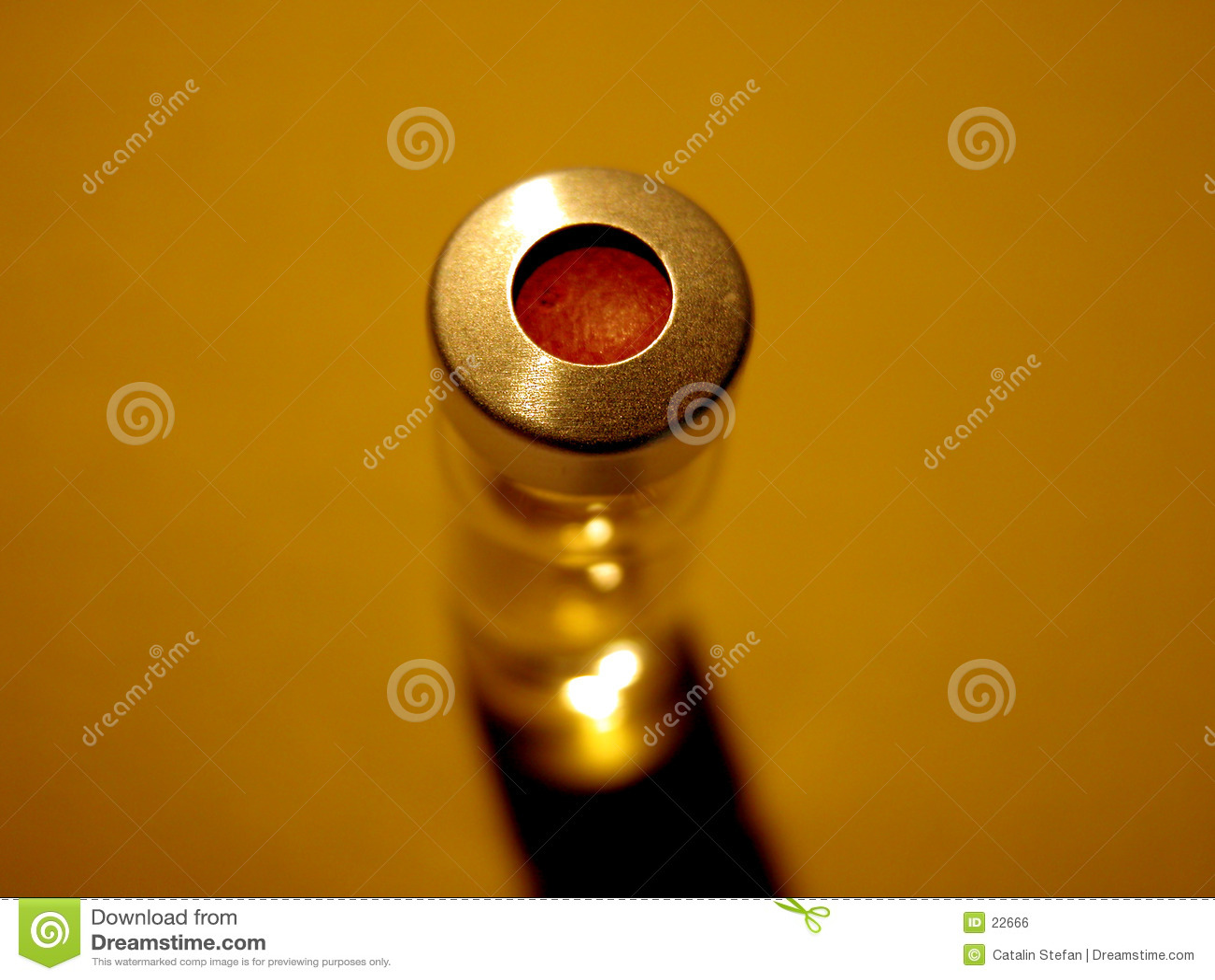 Ciencia - frasco con el casquillo rojo