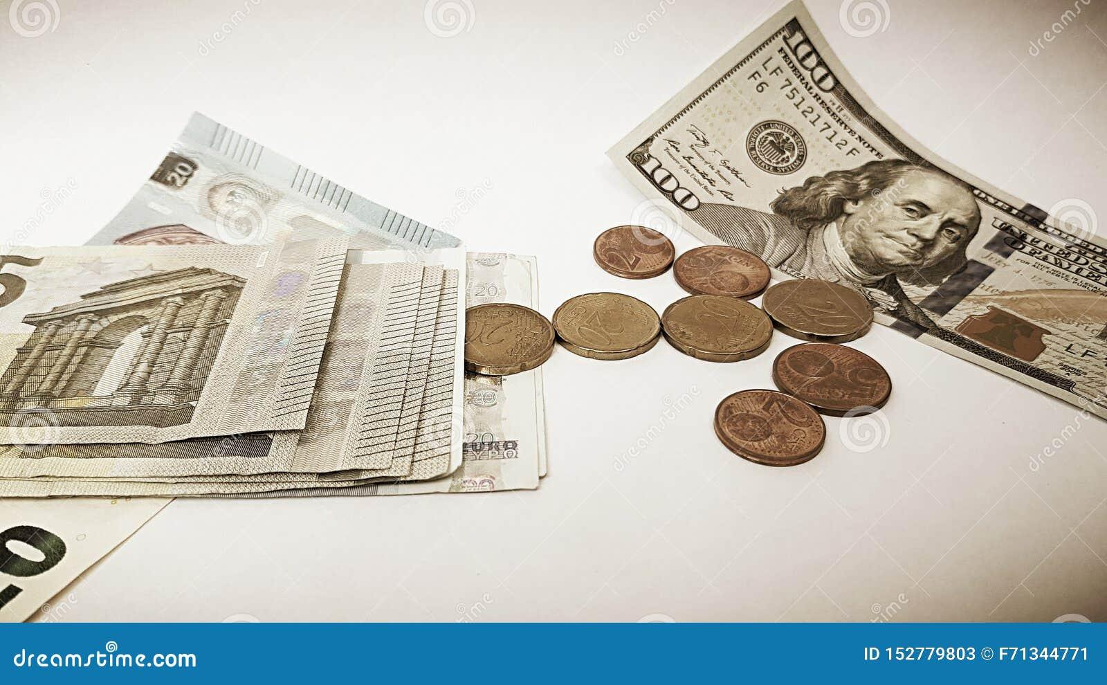 Cientos bagatelas documento de los dólares americanos y del euro