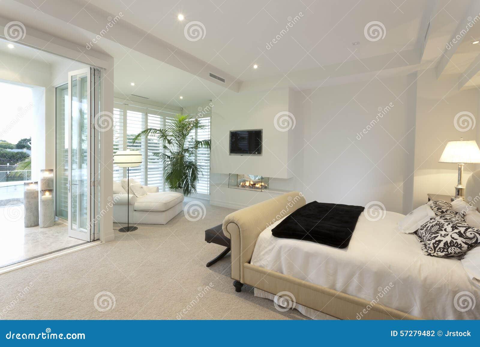 Ciepła Sypialnia Z Tarasem Zdjęcie Stock Obraz Złożonej Z