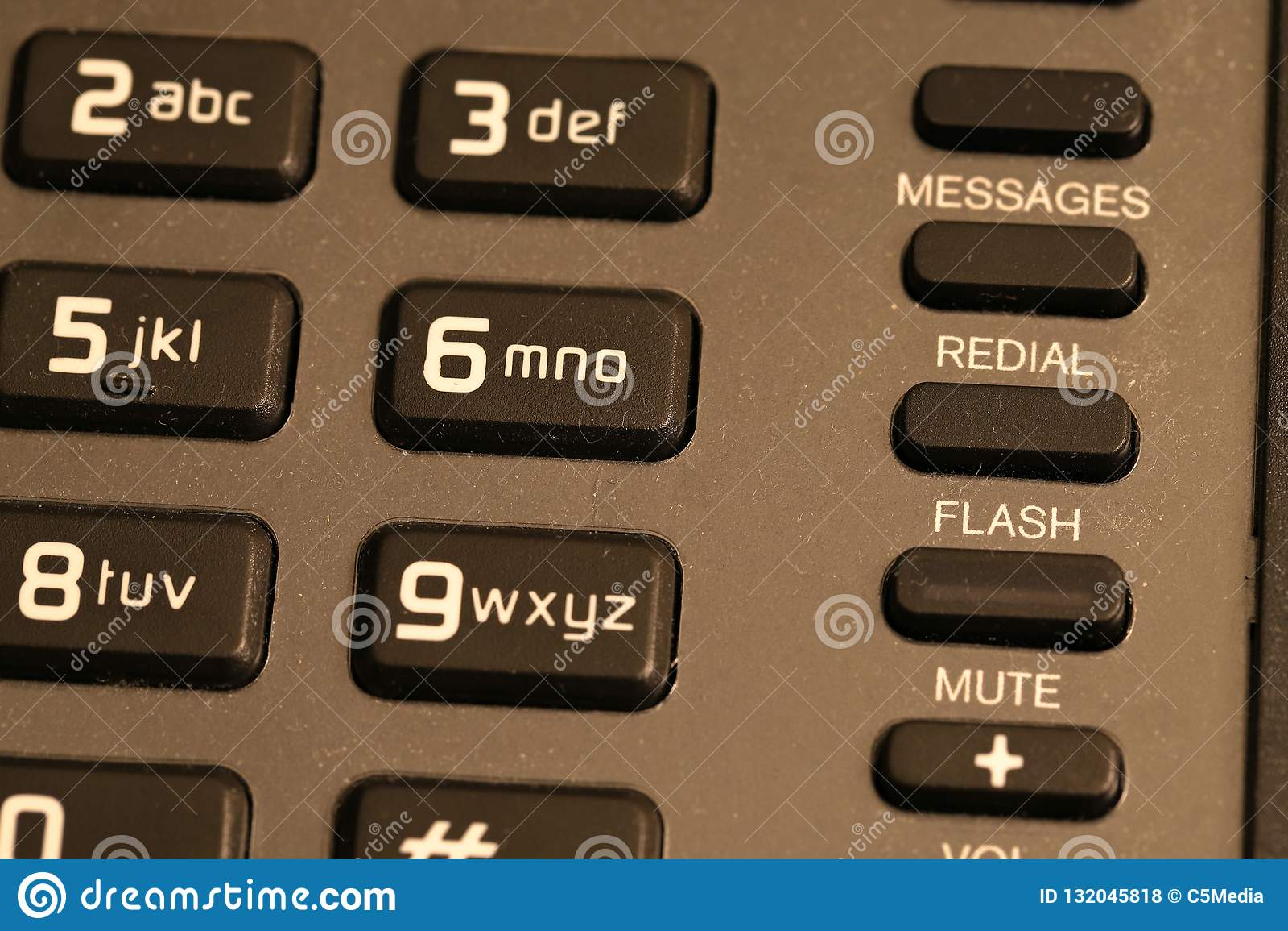 Cierre del telclado numérico del teléfono del hotel para arriba