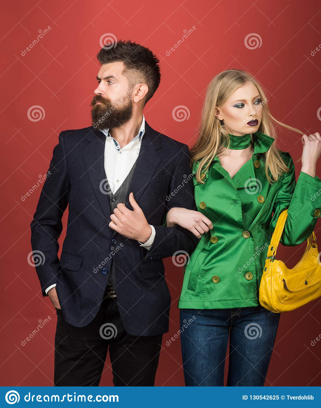 Cieszyć się życzliwych powiązania Miłość powiązania Jesieni mody trendy Para w miłości w modnym stylu moda pary