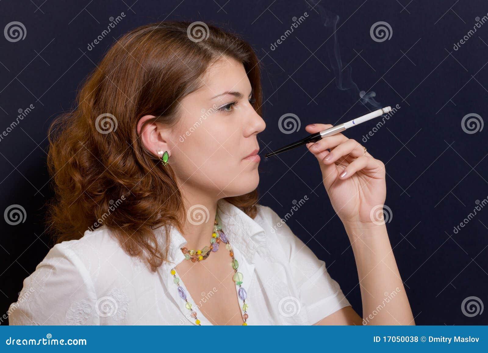 Cigaret κορίτσι
