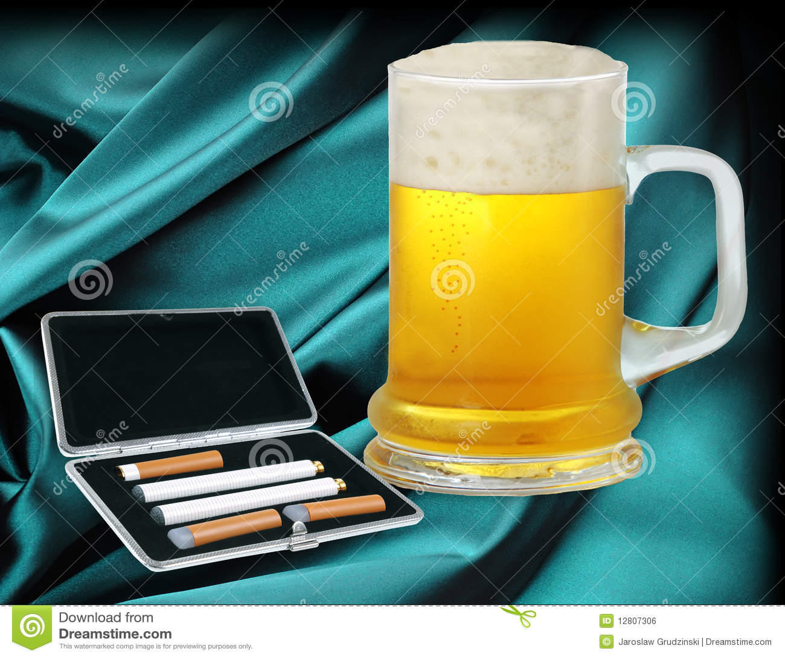 Cigarro e cerveja eletrônicos