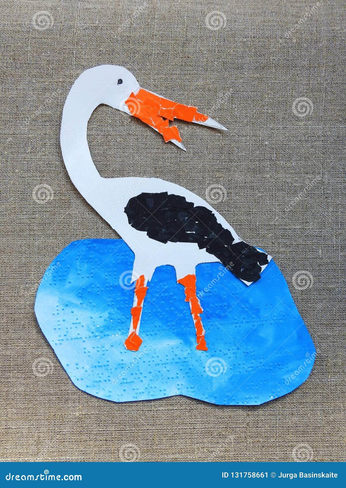 Ciie kolorowego bocianowego ptaka na bieliźnianym tle i malował
