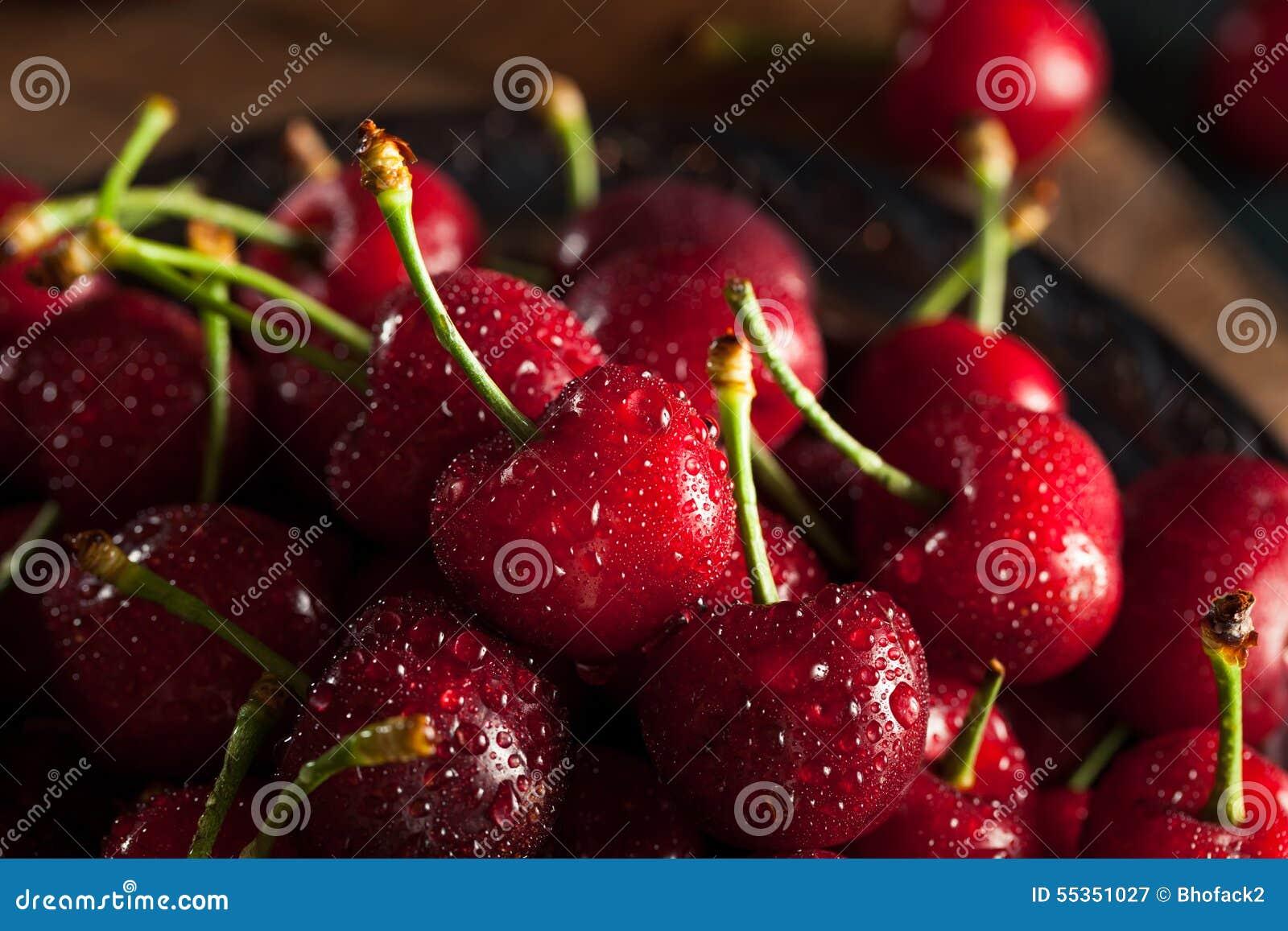 Ciliege rosse organiche crude