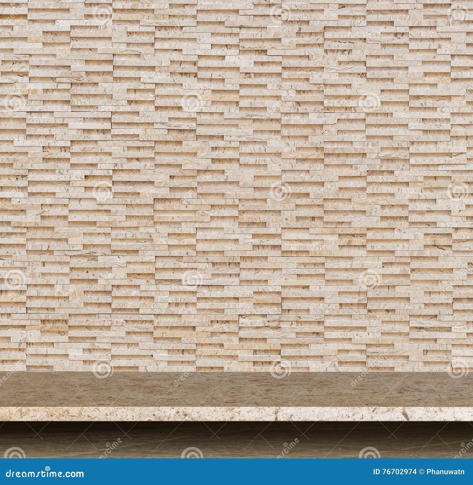 Cima vuota del fondo della parete di pietra e della tavola di pietra naturale