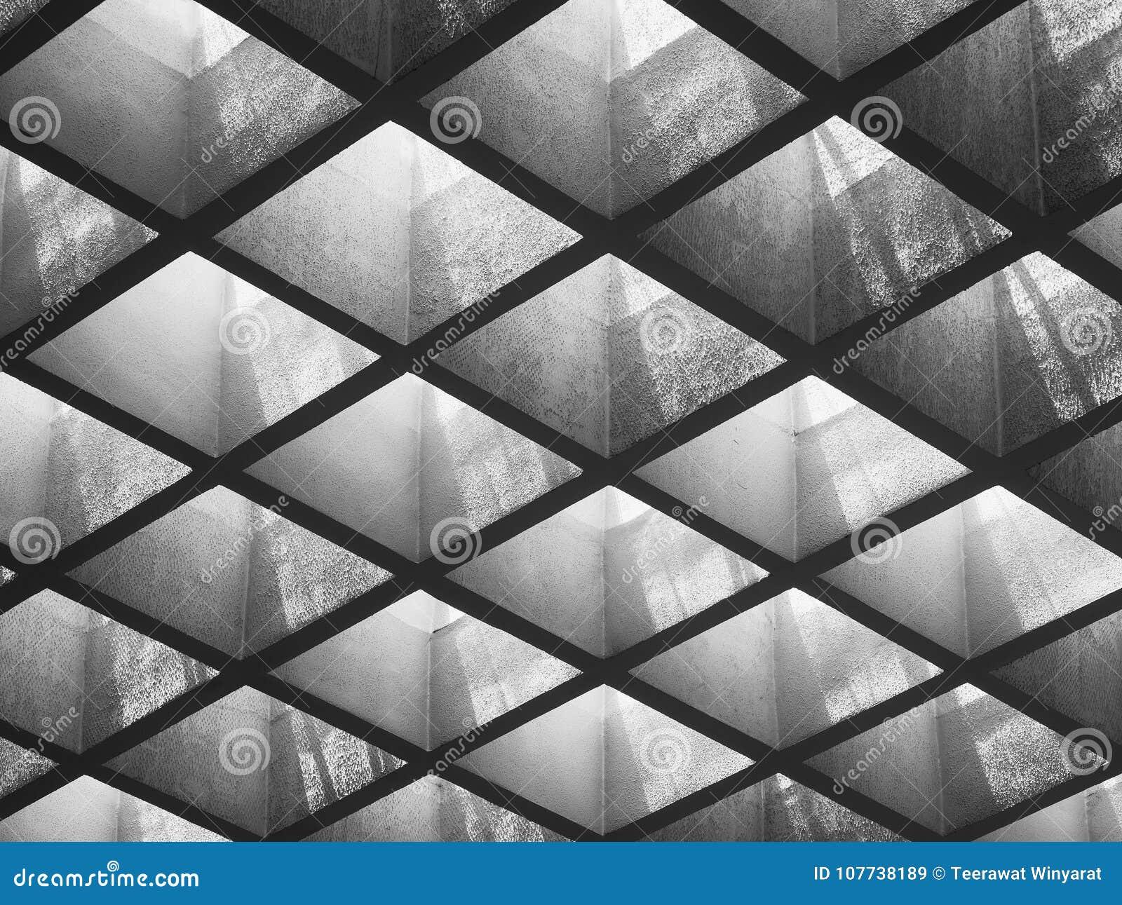 Cimente o teste padrão do teto do painel que ilumina detalhes vagos da arquitetura