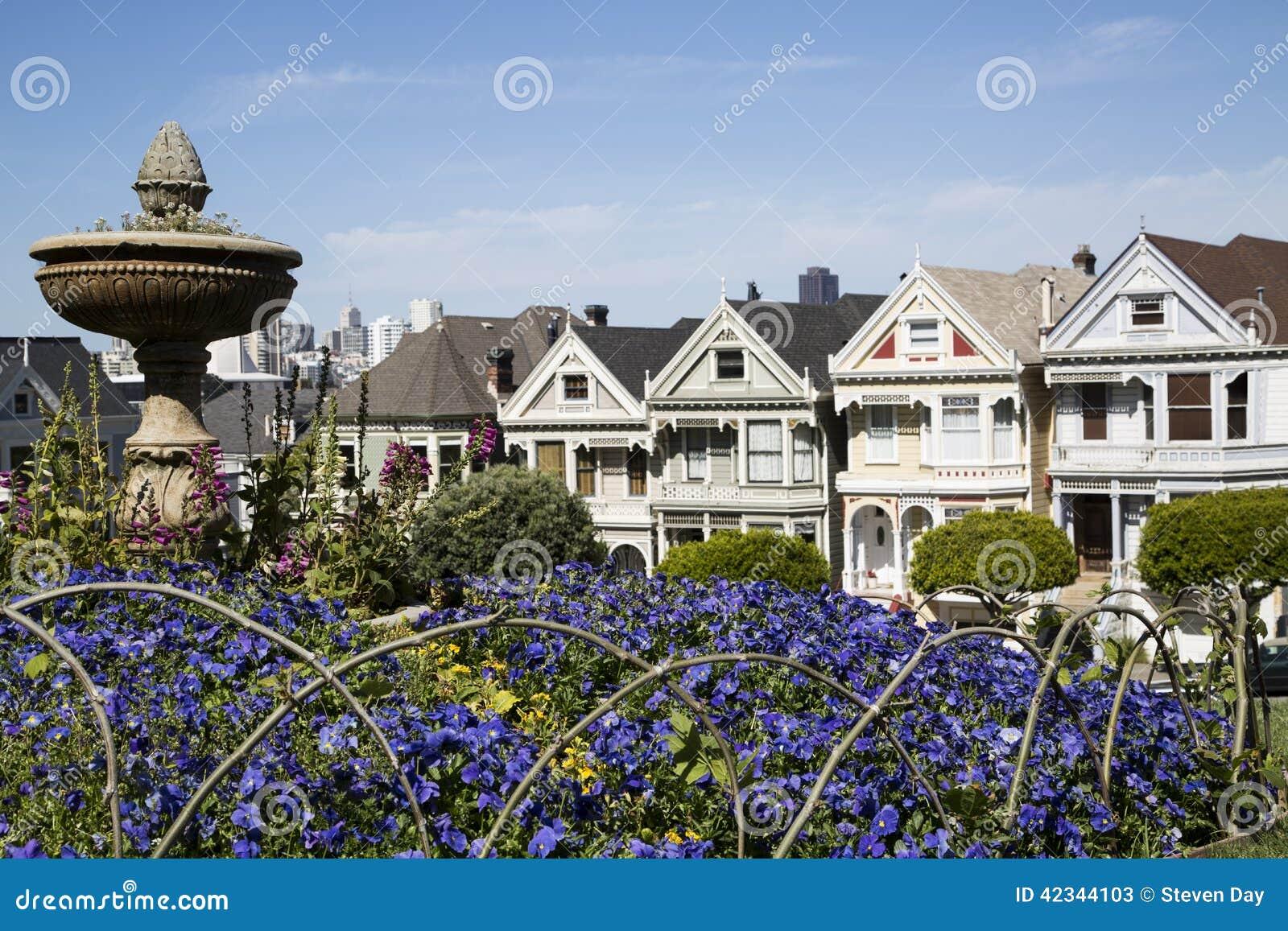 Cinco casas pintadas famosas da irm em san francisco for Casas modernas famosas