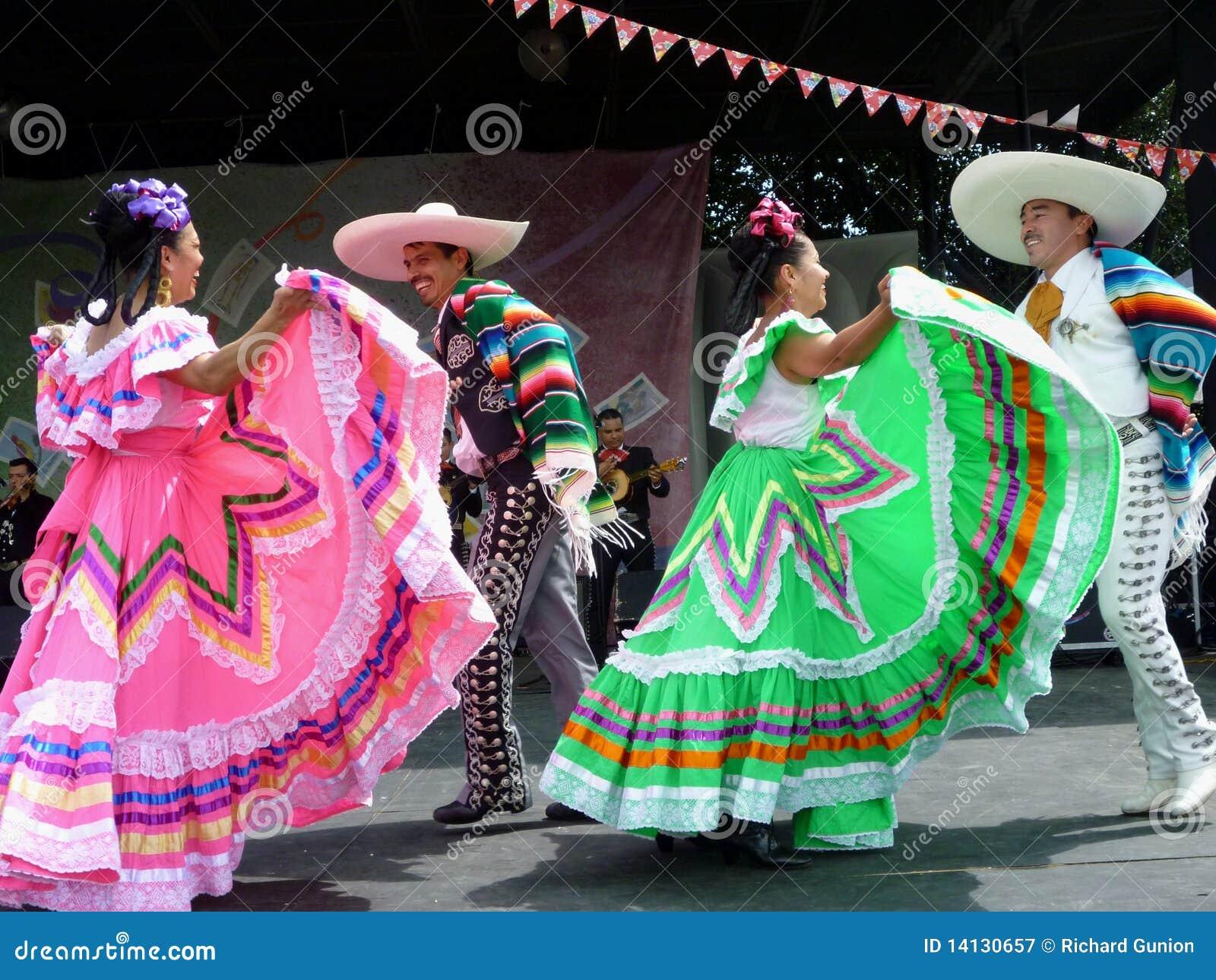 Cinco de Mayo Dancing